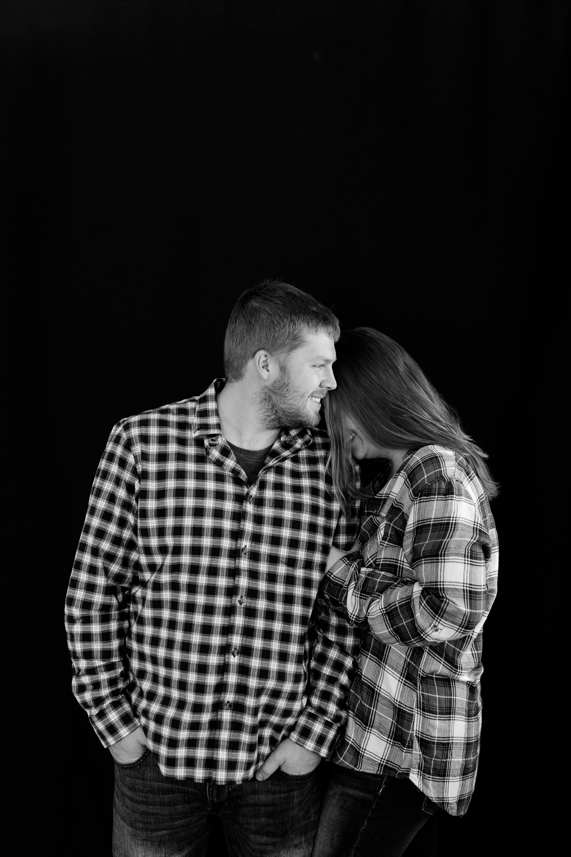 Amber Langerud Photography_Minnesota Winter Engagement Portraits_6133.jpg