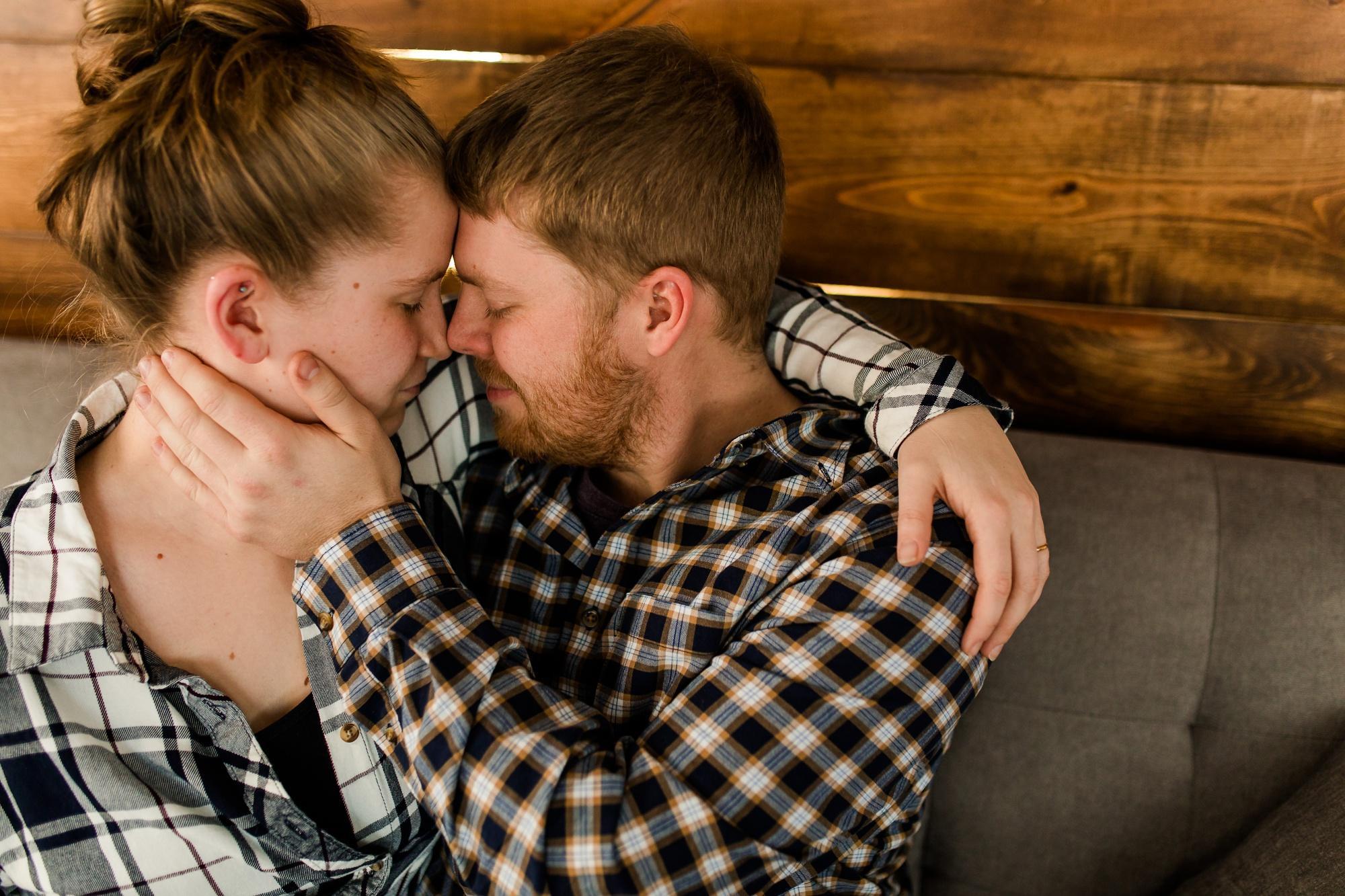 Amber Langerud Photography_Minnesota Winter Engagement Portraits_6143.jpg