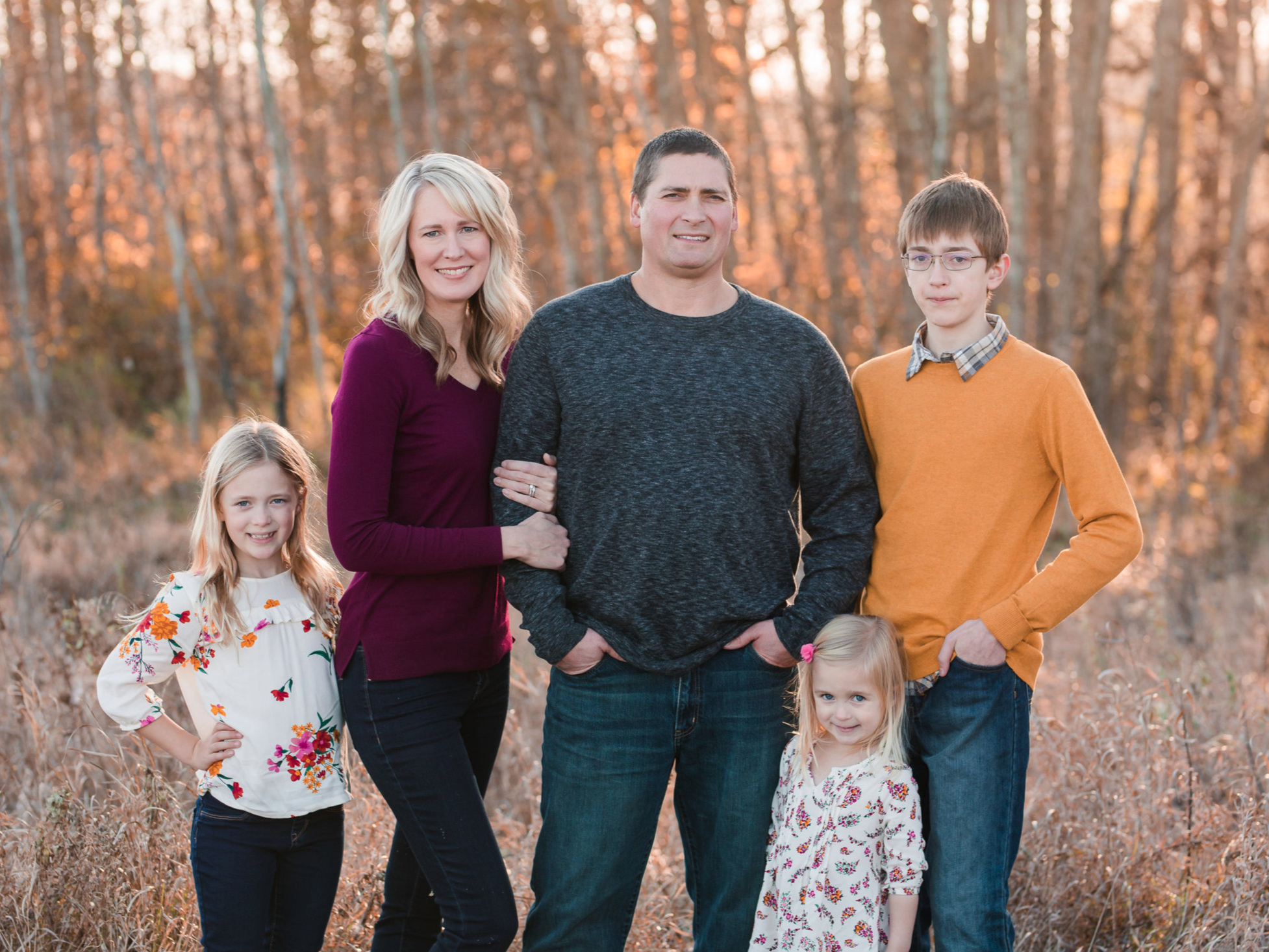 Family Session + Digital Images - Includes appx 45 min of photography timeImmediate family onlyPerfect for 1 Outfit and 1-2 Locations40+ digital images with print release$400 + tax