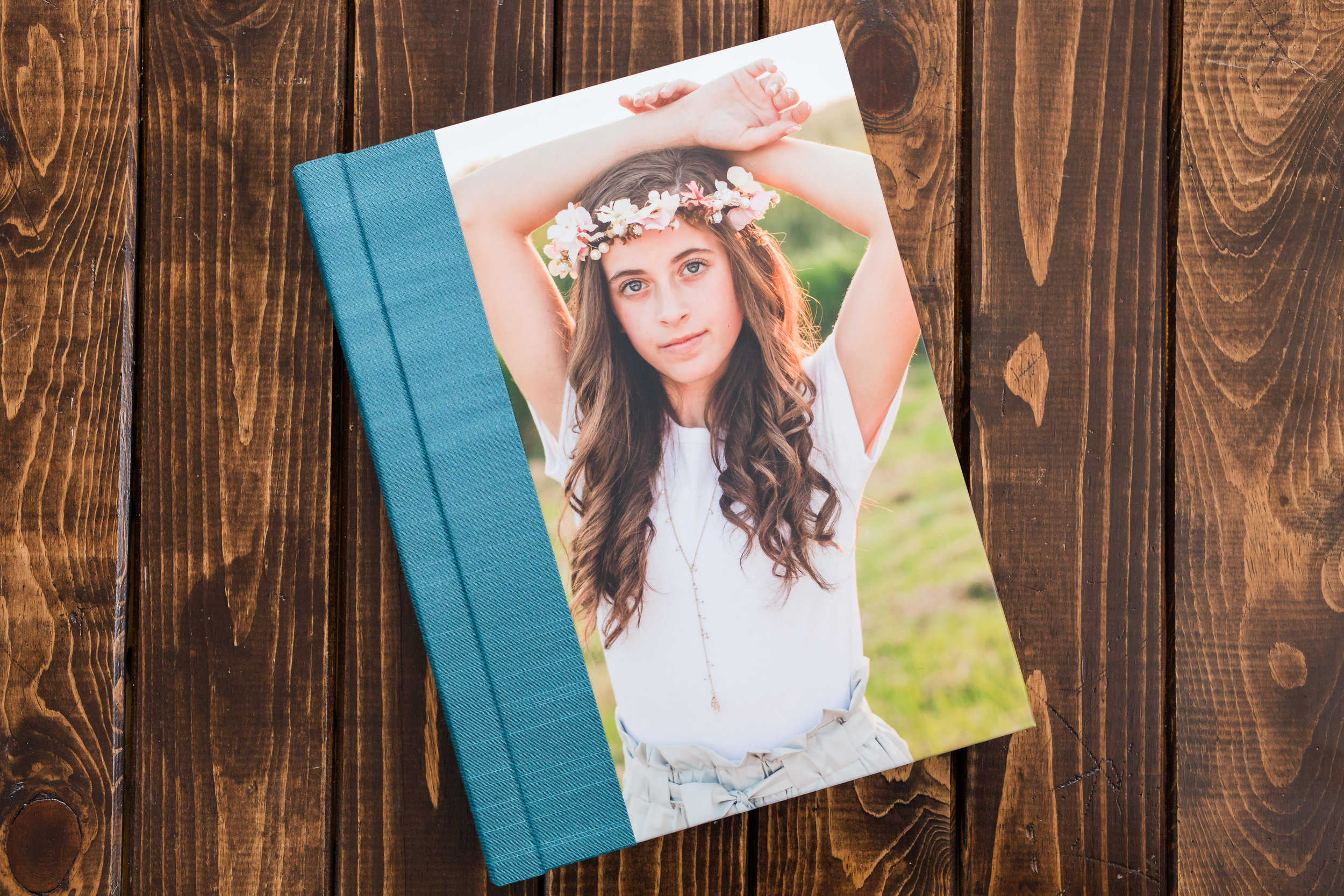 CUSTOM SENIOR ALBUM - Perfect for showing off at your grad party!9x12 inch, 10 spread book$450