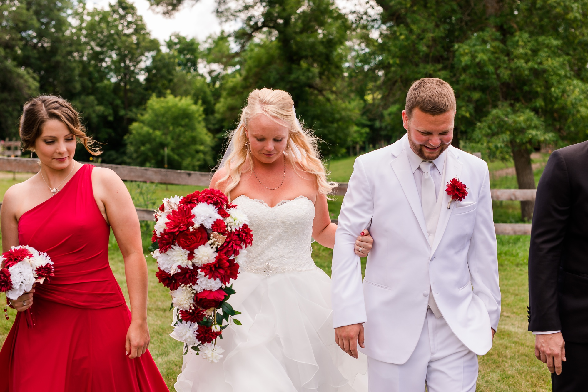 Amber Langerud Photography_Holiday Inn on the Lake Wedding_6583.jpg