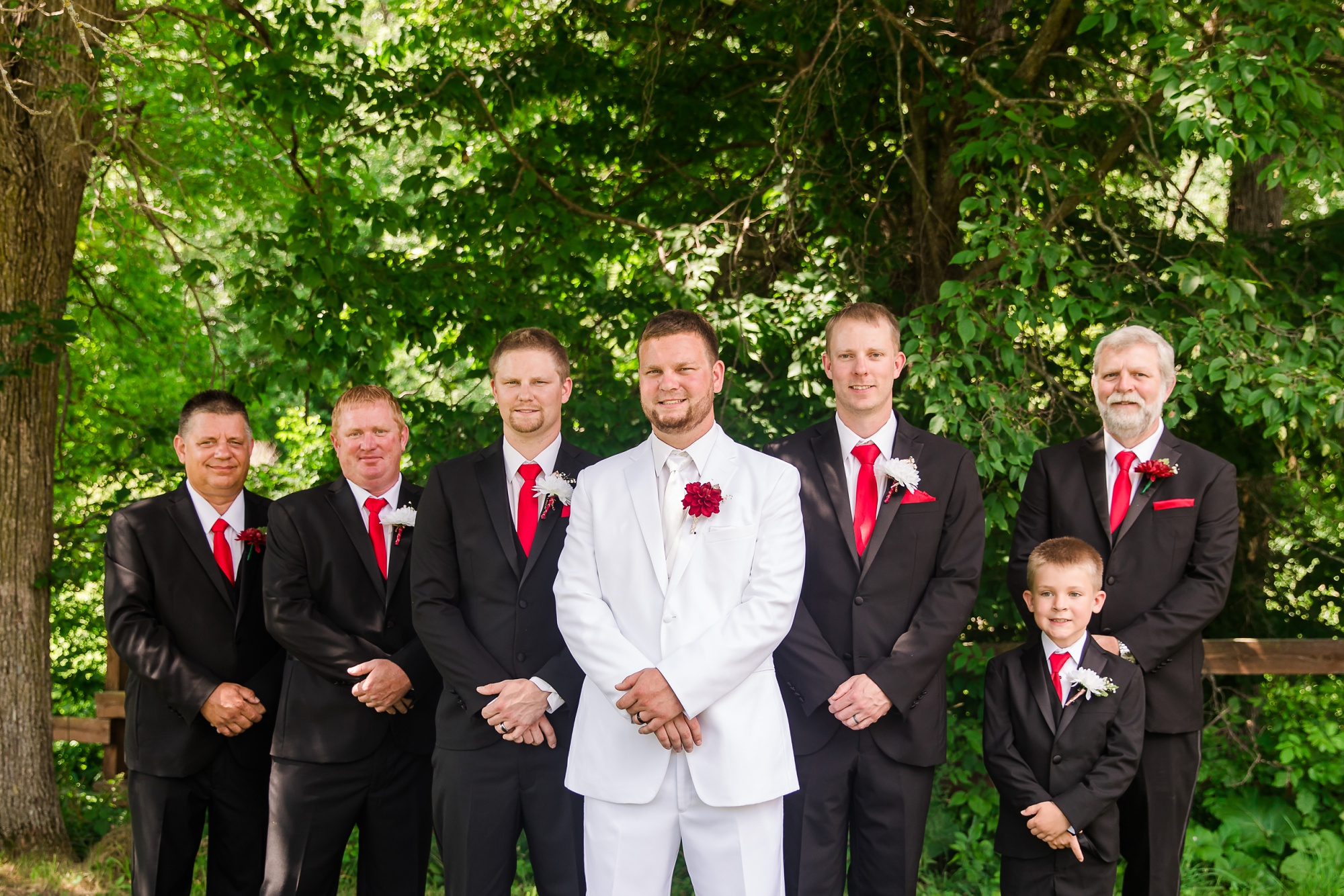 Amber Langerud Photography_Holiday Inn on the Lake Wedding_6587.jpg