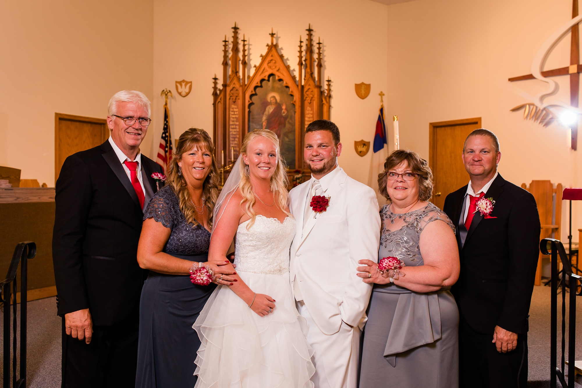 Amber Langerud Photography_Holiday Inn on the Lake Wedding_6589.jpg