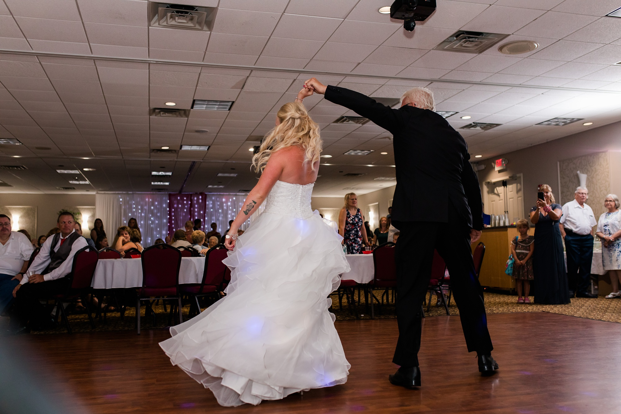 Amber Langerud Photography_Holiday Inn on the Lake Wedding_6606.jpg