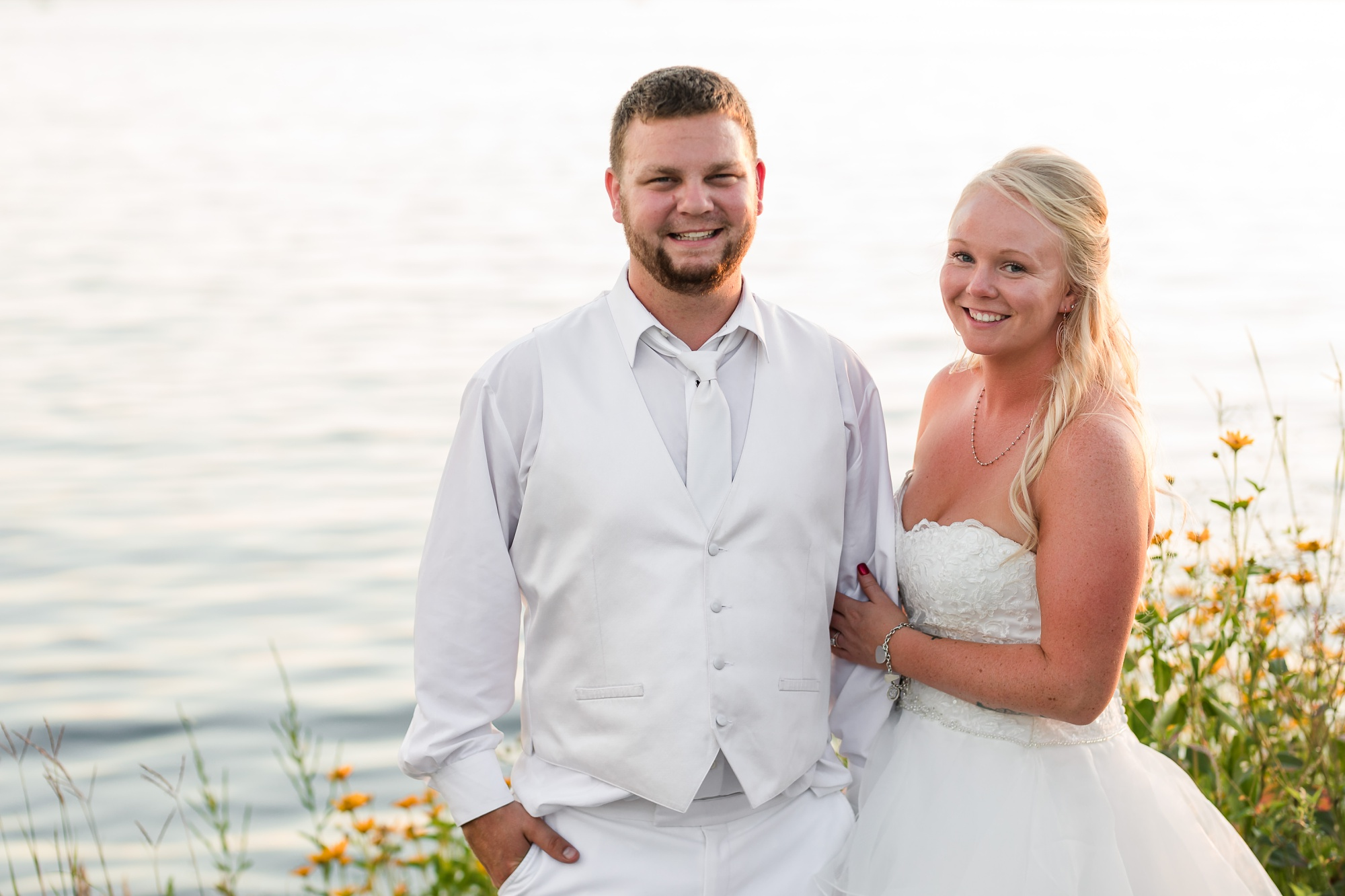 Amber Langerud Photography_Holiday Inn on the Lake Wedding_6616.jpg