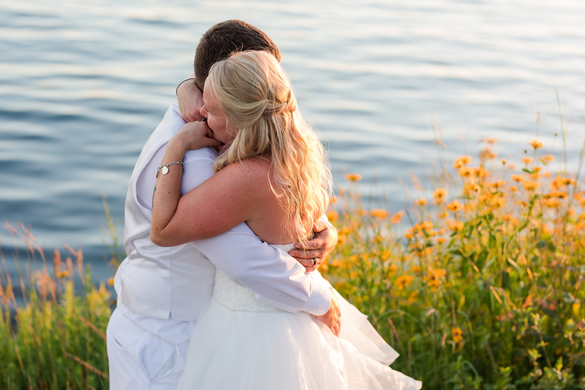 Amber Langerud Photography_Holiday Inn on the Lake Wedding_6619.jpg