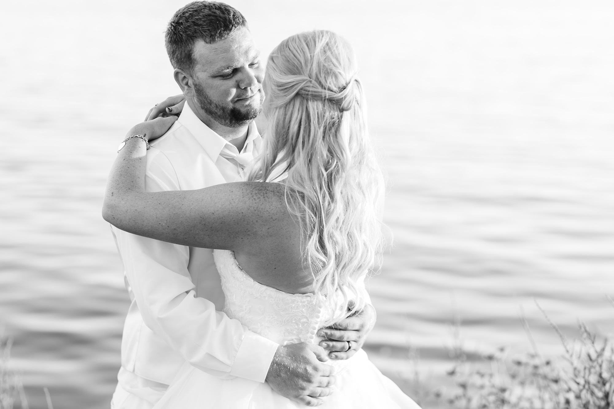 Amber Langerud Photography_Holiday Inn on the Lake Wedding_6620.jpg