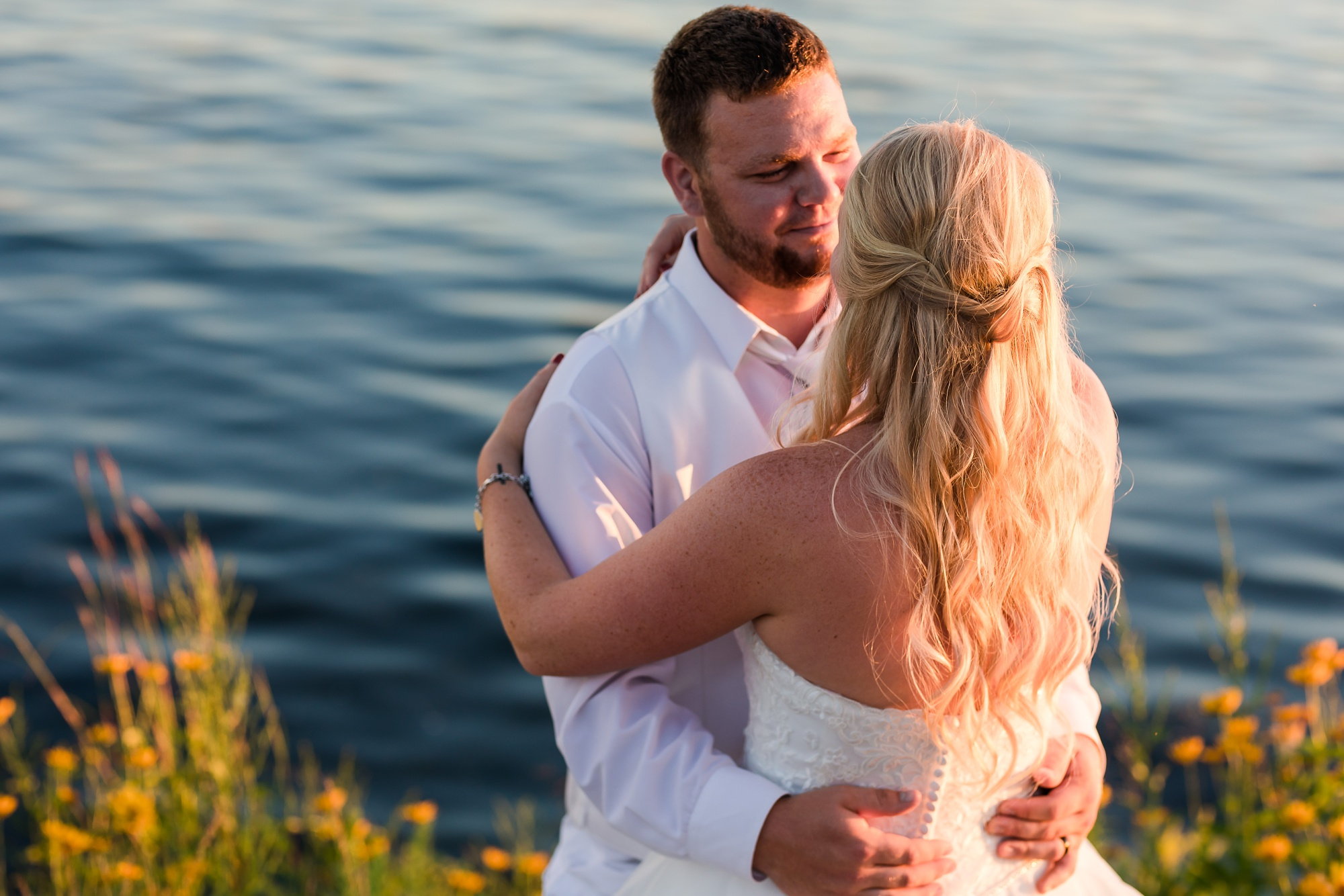 Amber Langerud Photography_Holiday Inn on the Lake Wedding_6621.jpg