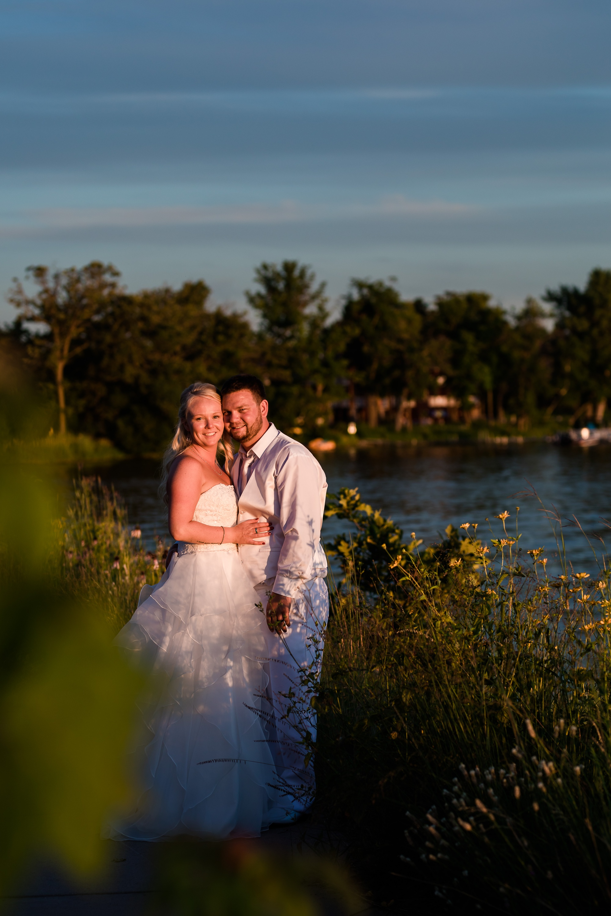 Amber Langerud Photography_Holiday Inn on the Lake Wedding_6622.jpg