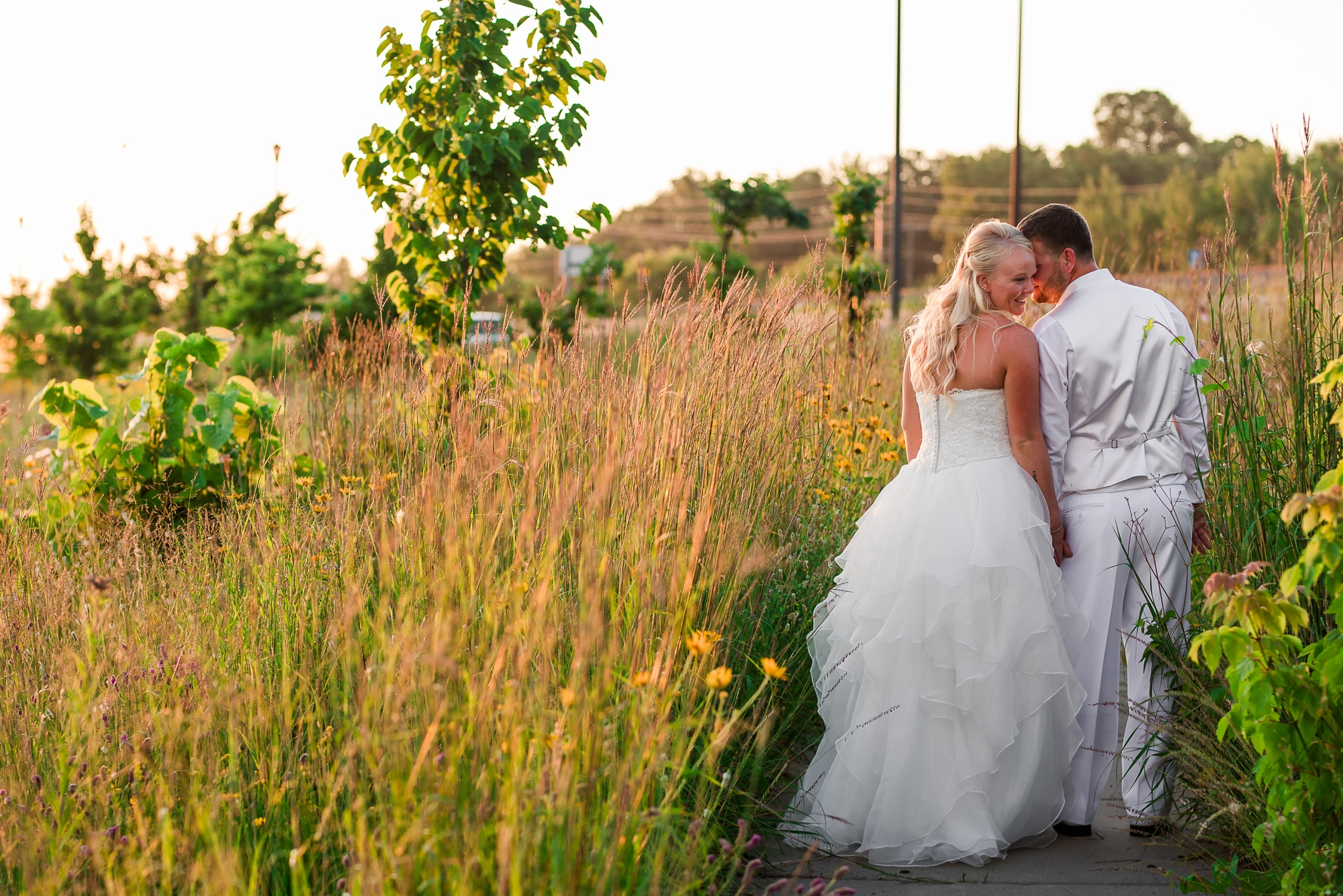 Amber Langerud Photography_Holiday Inn on the Lake Wedding_6624.jpg