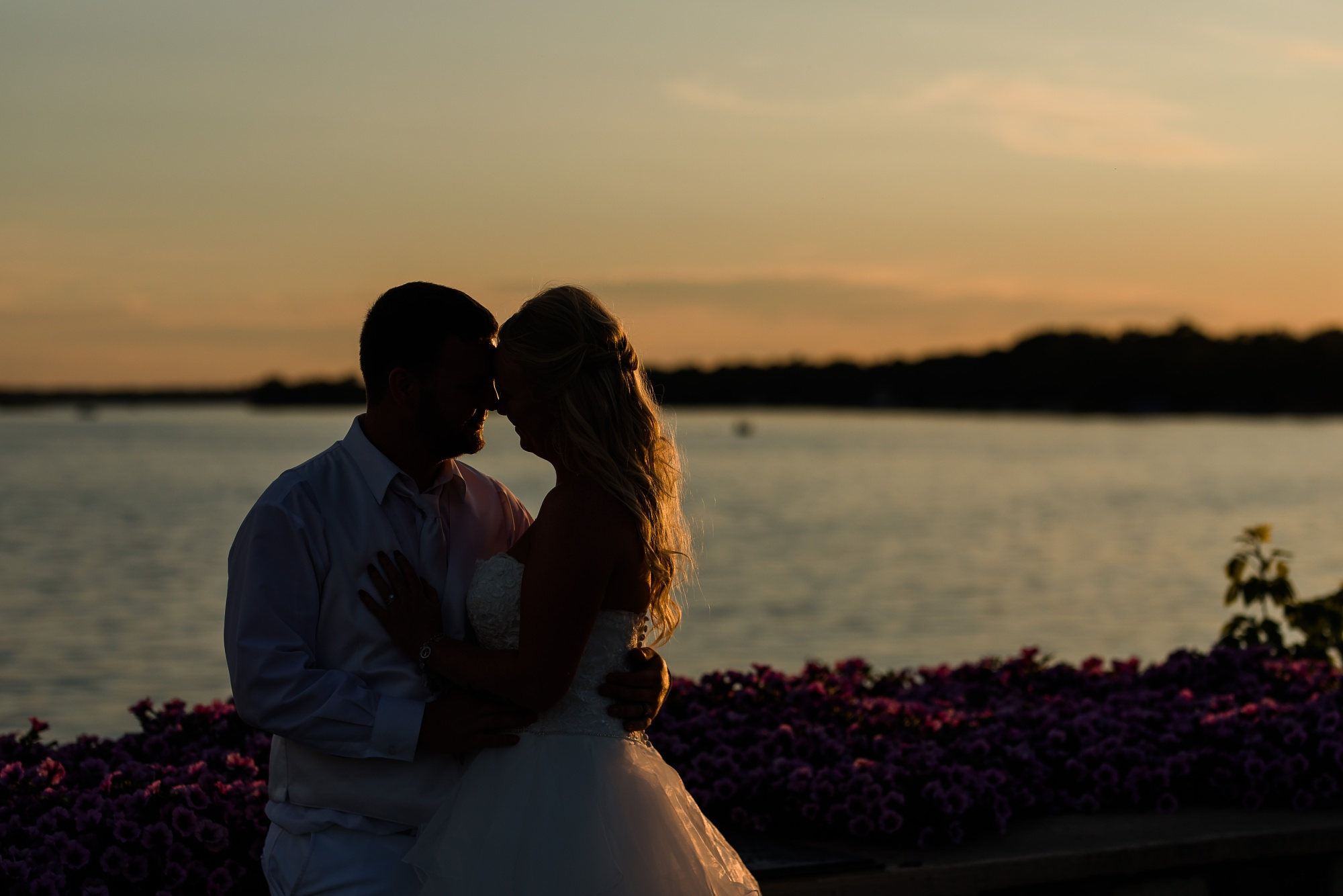 Amber Langerud Photography_Holiday Inn on the Lake Wedding_6626.jpg
