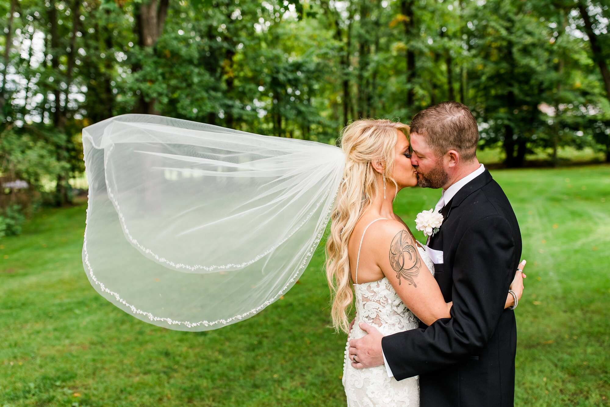 Amber Langerud Photography_Eagle Lake Rustic Styled Outdoor Wedding in Minnesota_6820.jpg