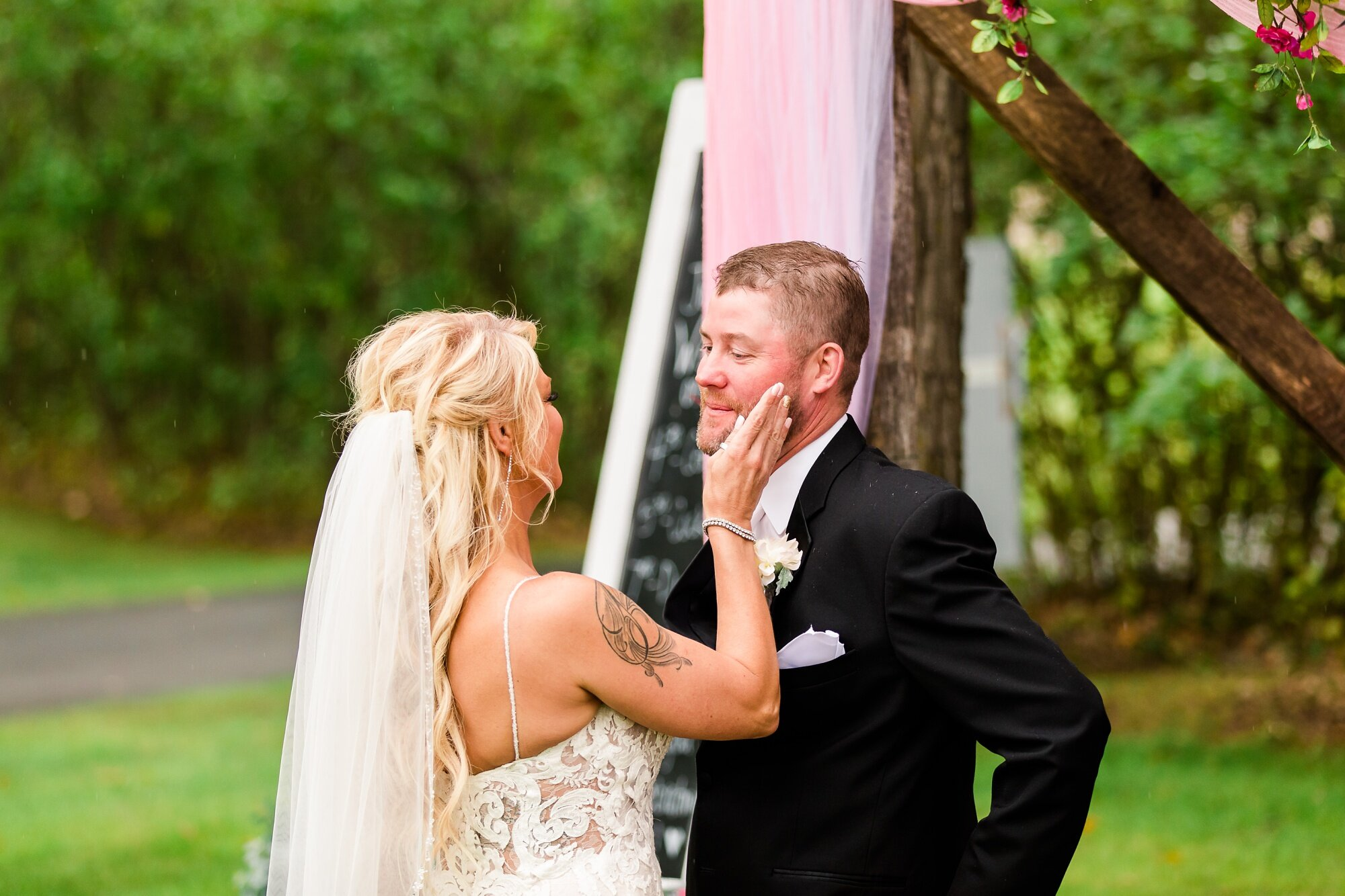 Amber Langerud Photography_Eagle Lake Rustic Styled Outdoor Wedding in Minnesota_6832.jpg