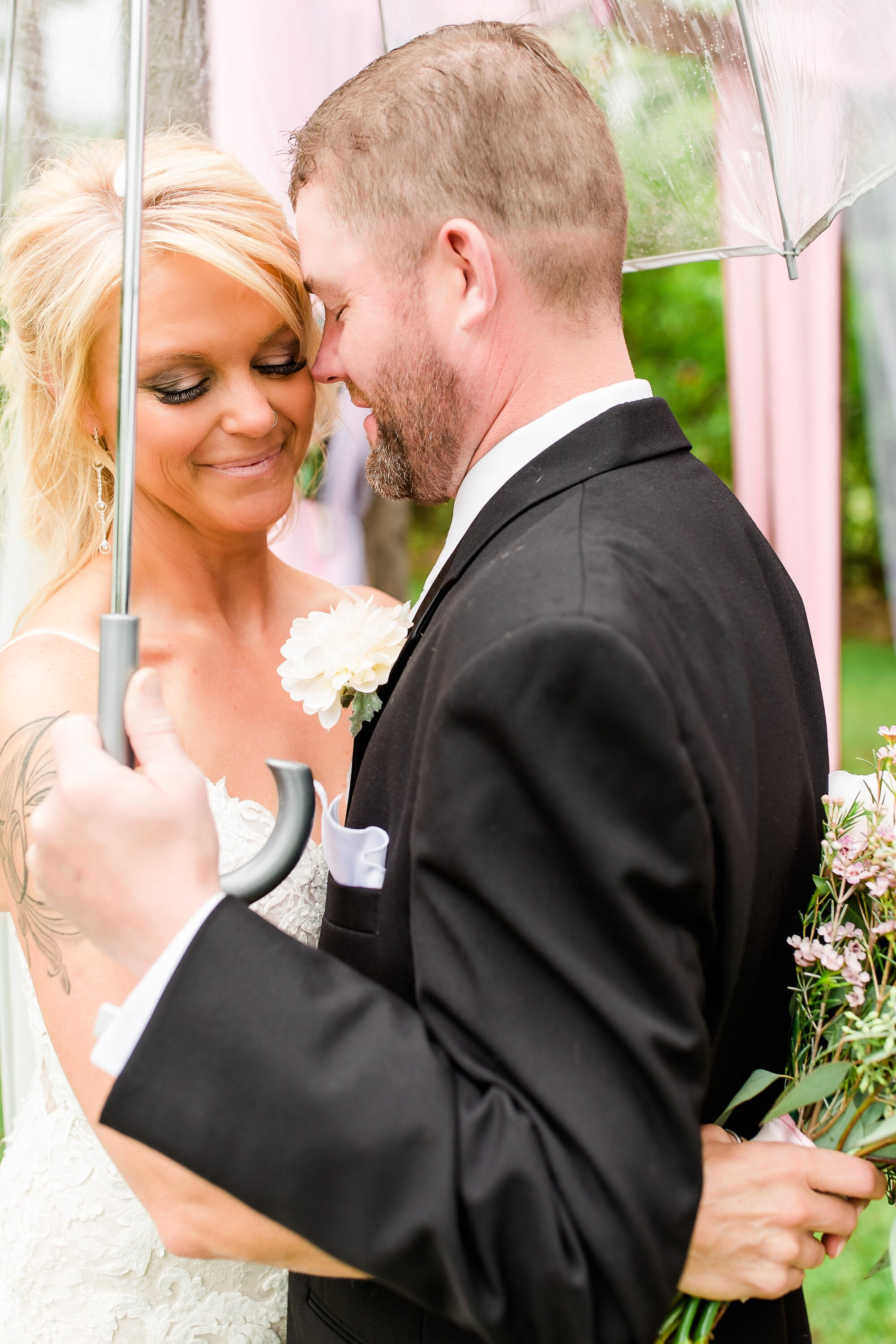 Amber Langerud Photography_Eagle Lake Rustic Styled Outdoor Wedding in Minnesota_6834.jpg