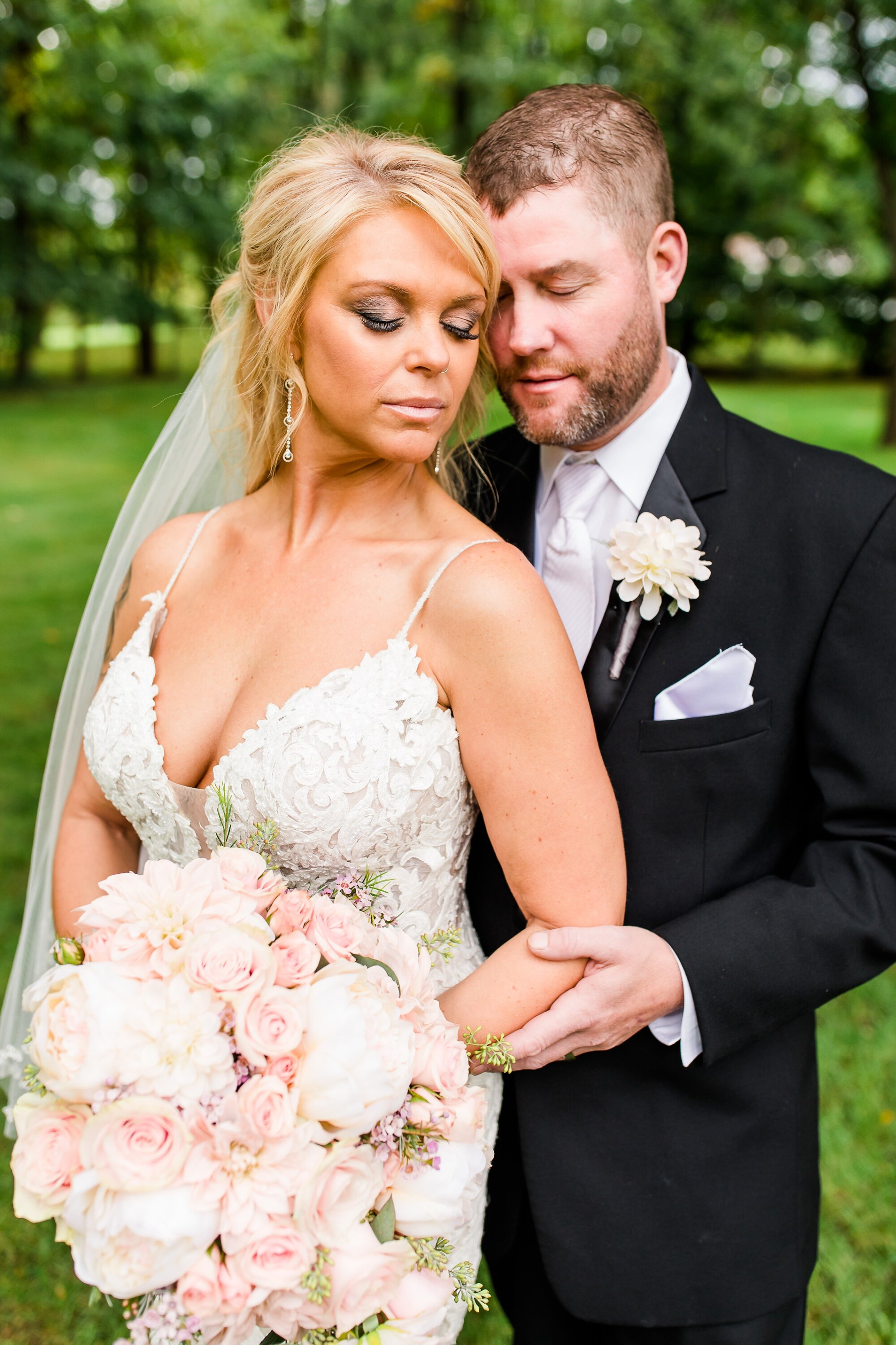 Amber Langerud Photography_Eagle Lake Rustic Styled Outdoor Wedding in Minnesota_6845.jpg