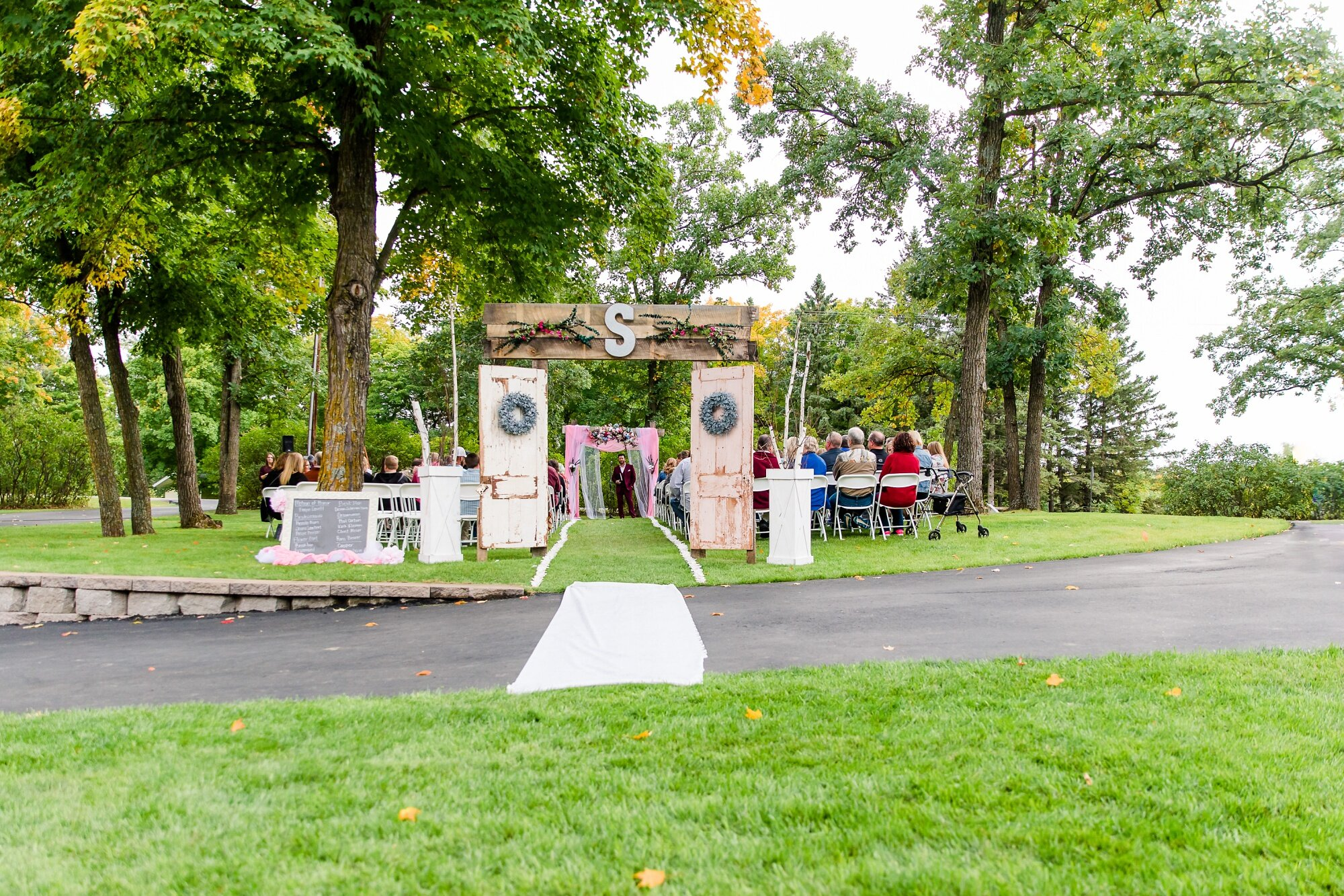Amber Langerud Photography_Eagle Lake Rustic Styled Outdoor Wedding in Minnesota_6868.jpg