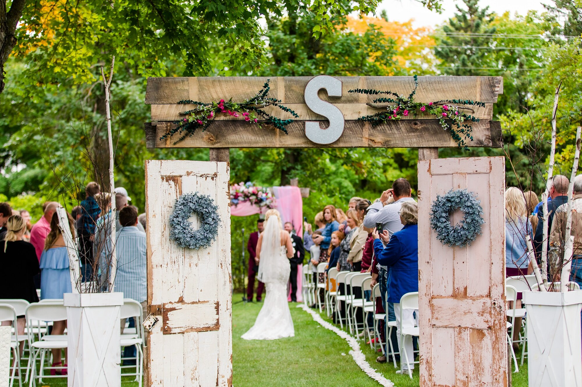 Amber Langerud Photography_Eagle Lake Rustic Styled Outdoor Wedding in Minnesota_6870.jpg