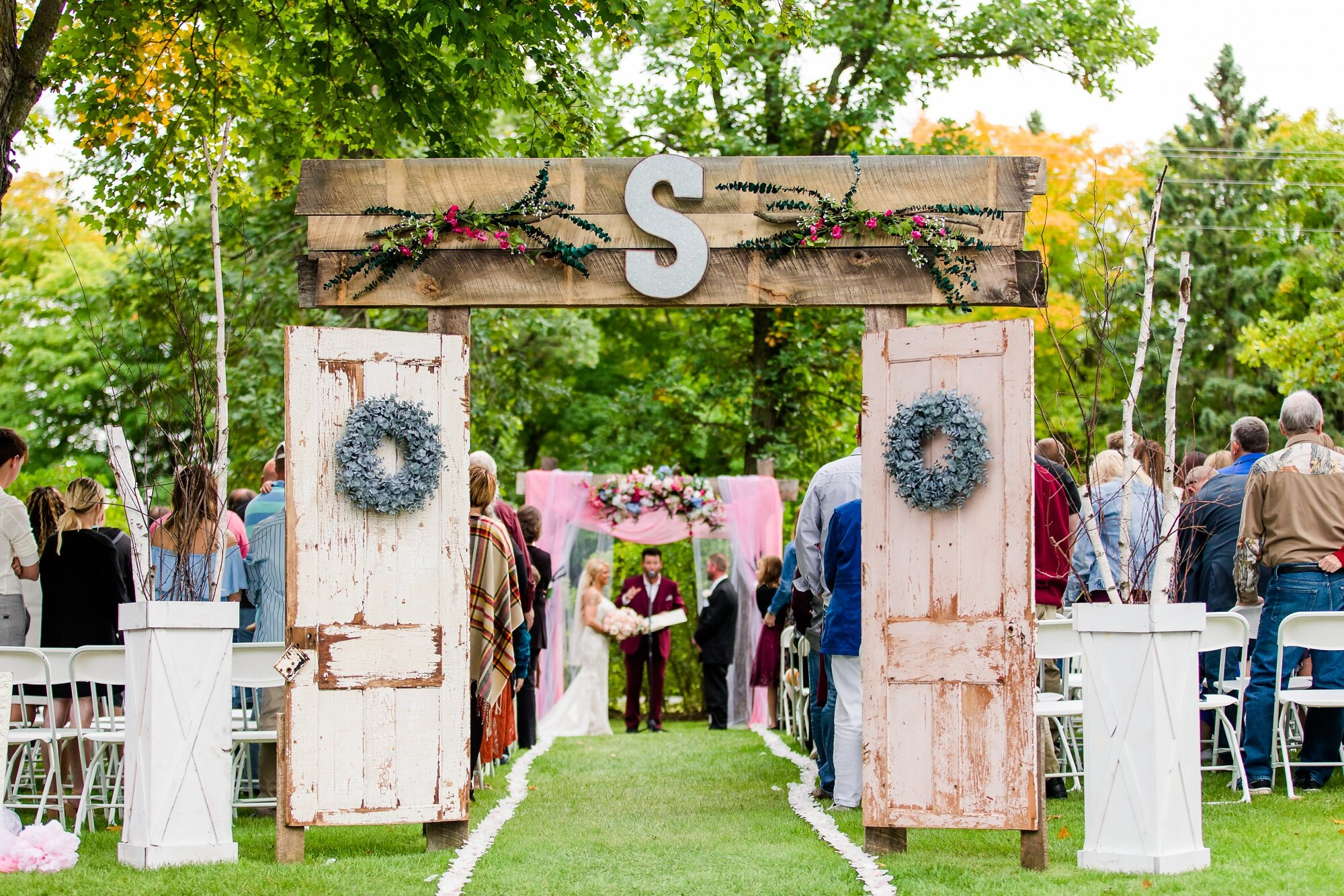 Amber Langerud Photography_Eagle Lake Rustic Styled Outdoor Wedding in Minnesota_6873.jpg