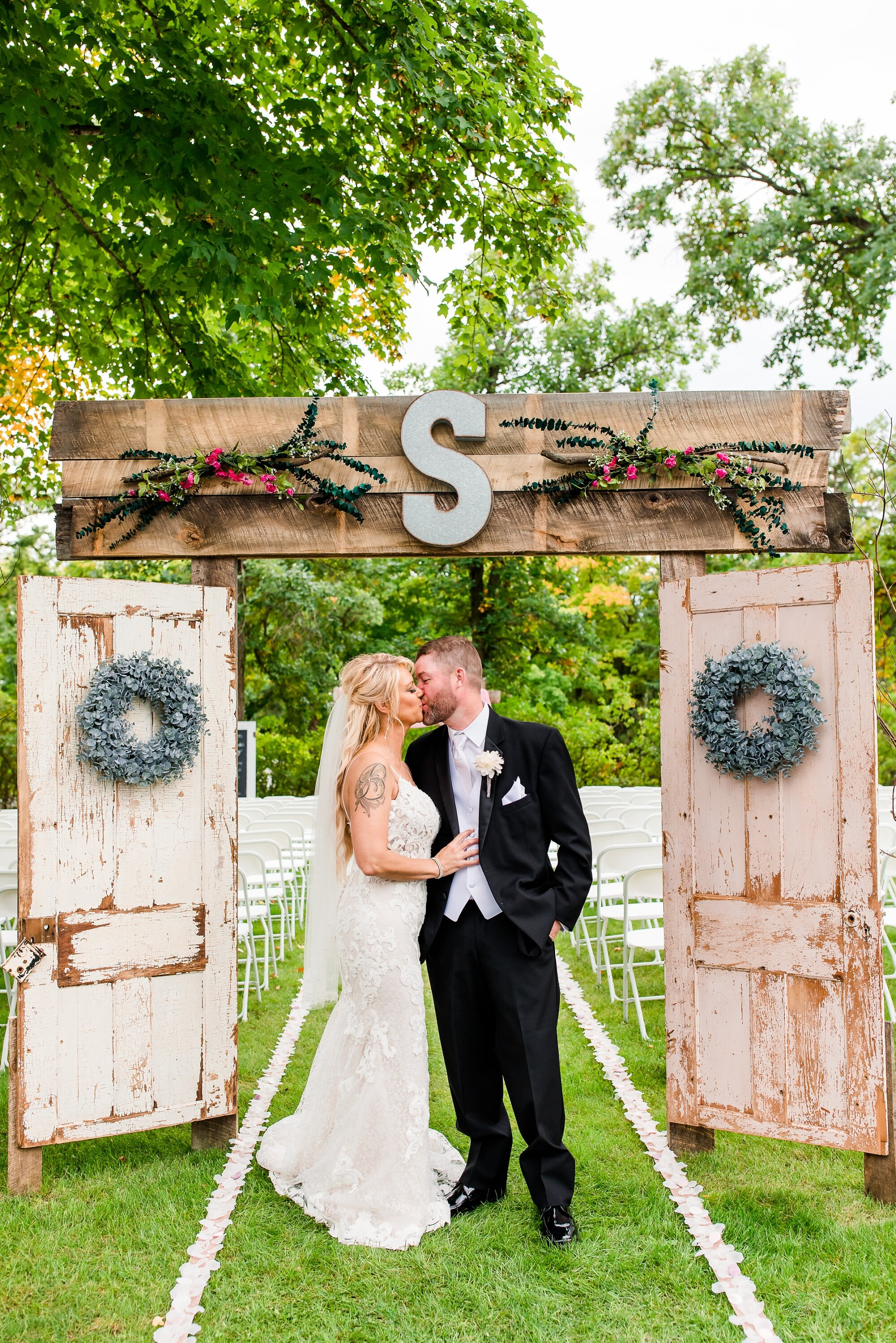 Amber Langerud Photography_Eagle Lake Rustic Styled Outdoor Wedding in Minnesota_6867.jpg