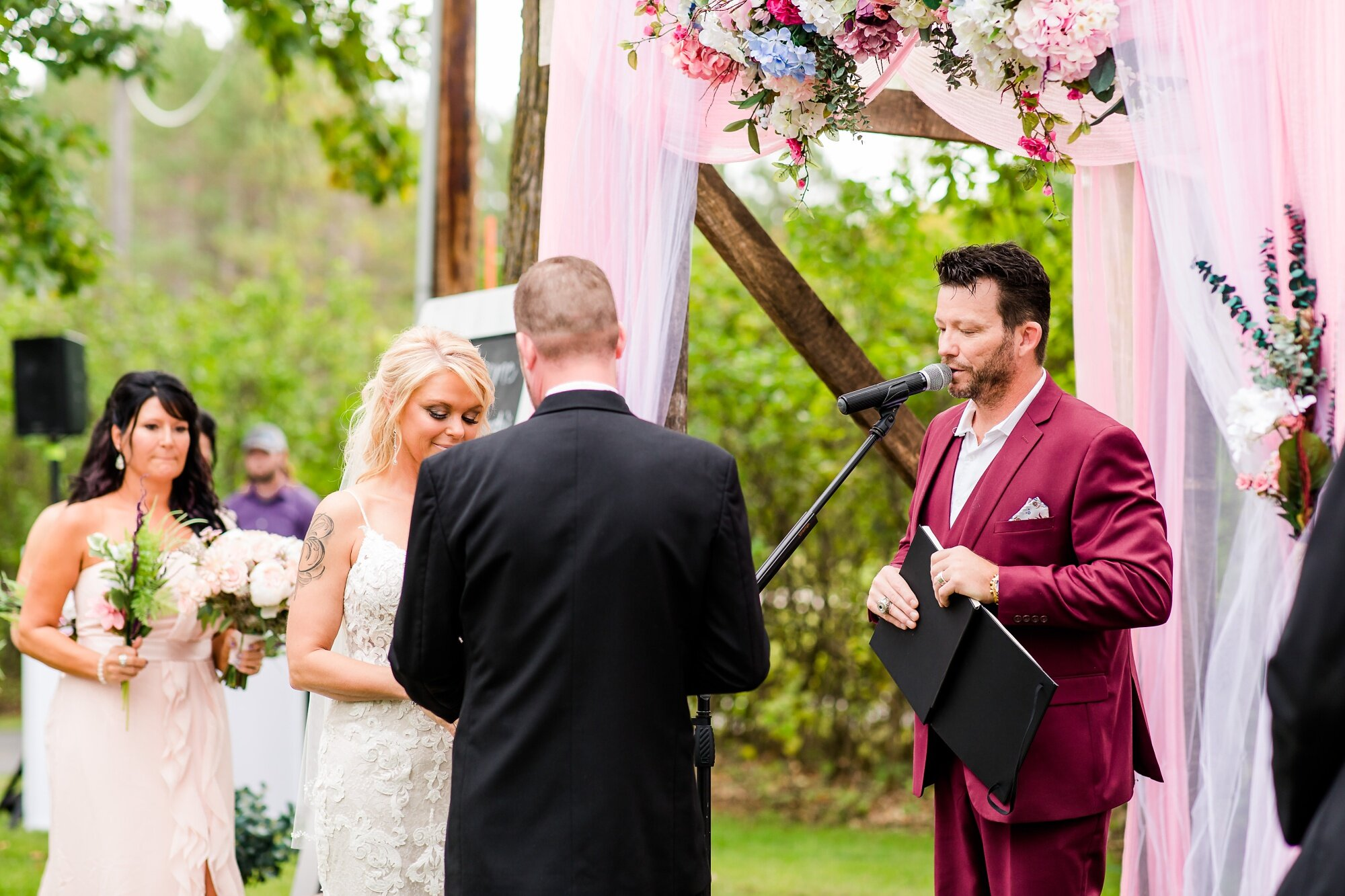 Amber Langerud Photography_Eagle Lake Rustic Styled Outdoor Wedding in Minnesota_6875.jpg