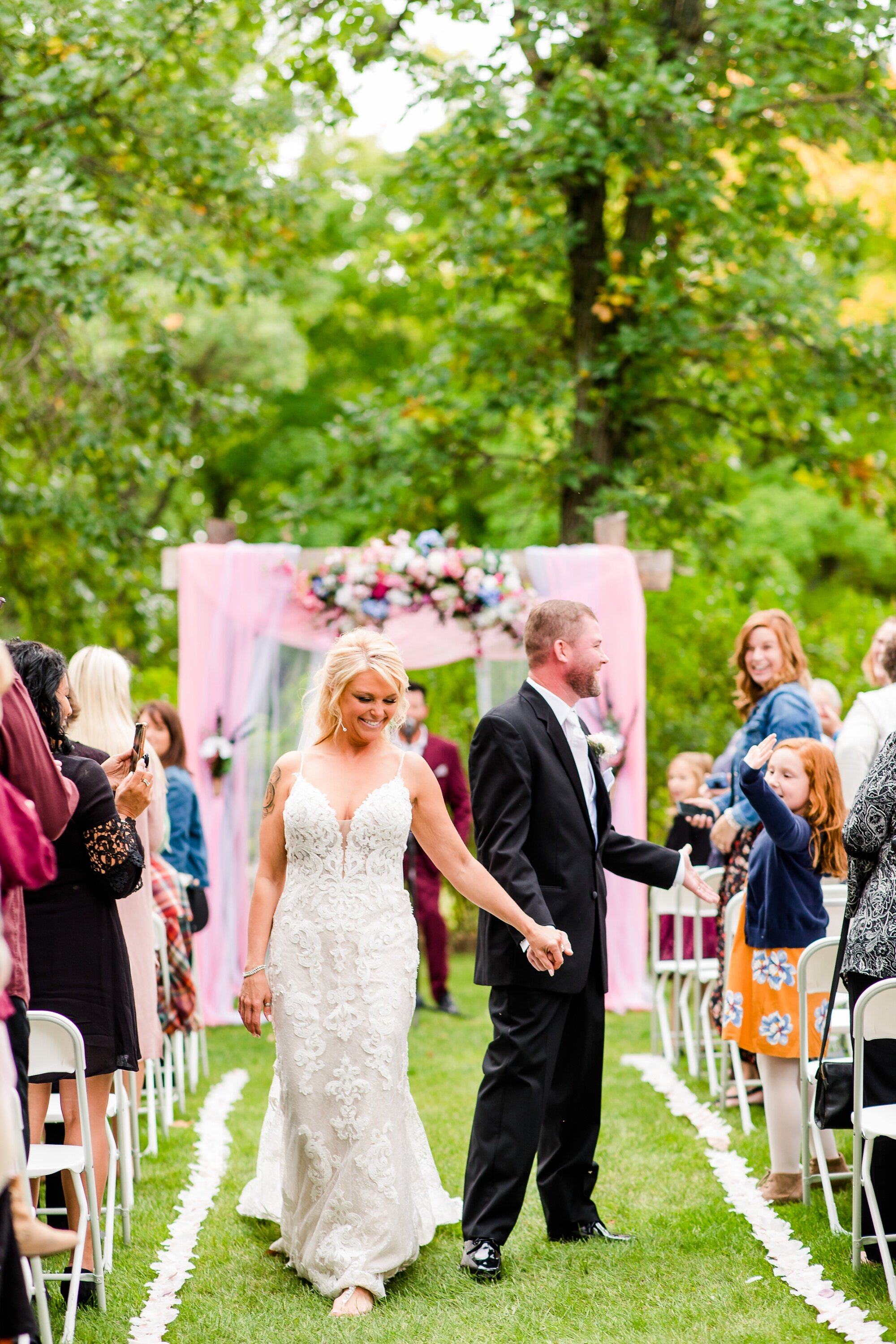 Amber Langerud Photography_Eagle Lake Rustic Styled Outdoor Wedding in Minnesota_6881.jpg