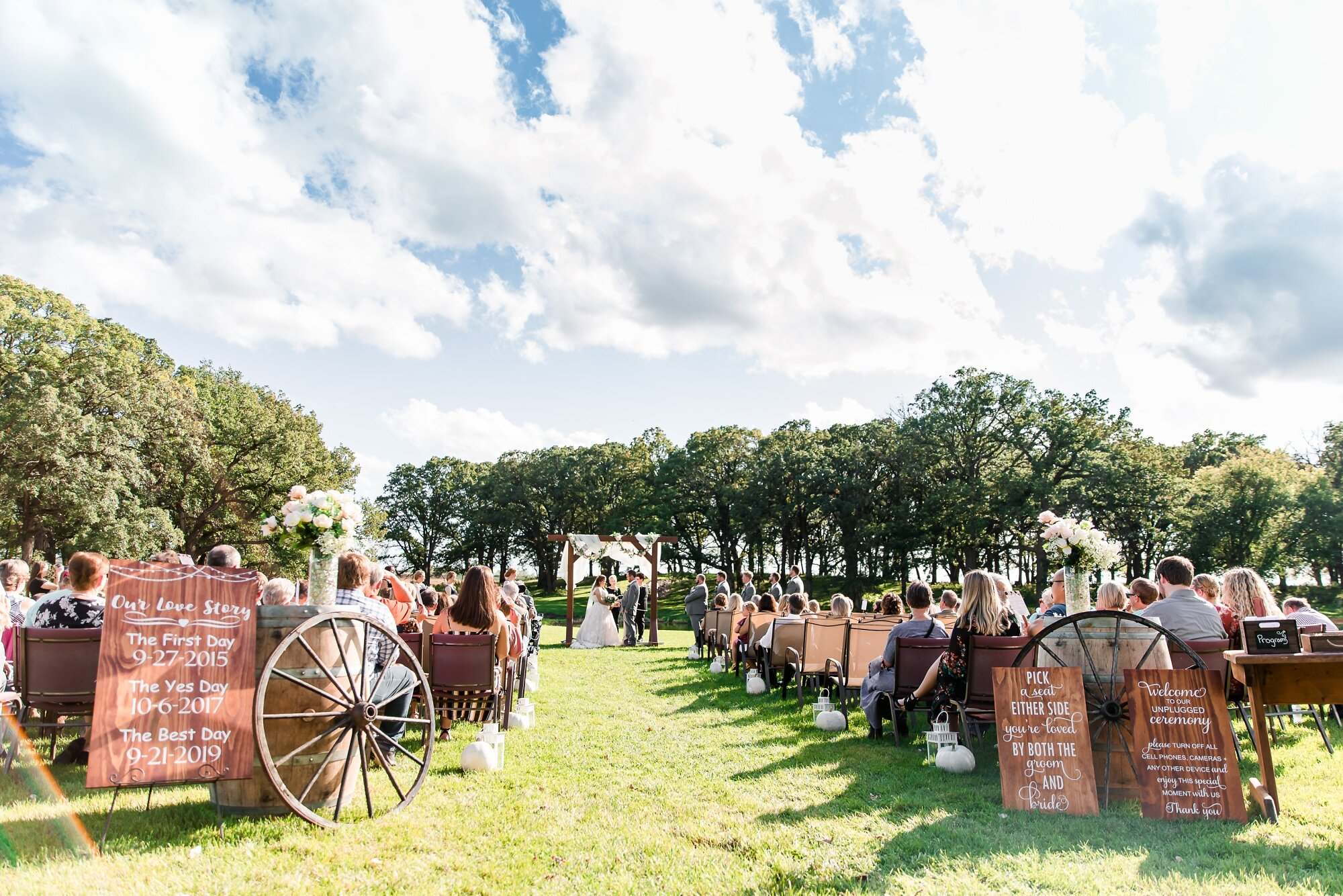 Amber Langerud Photography_Lake Park Minnesota, Outdoor Barn Wedding With Horses_6987.jpg