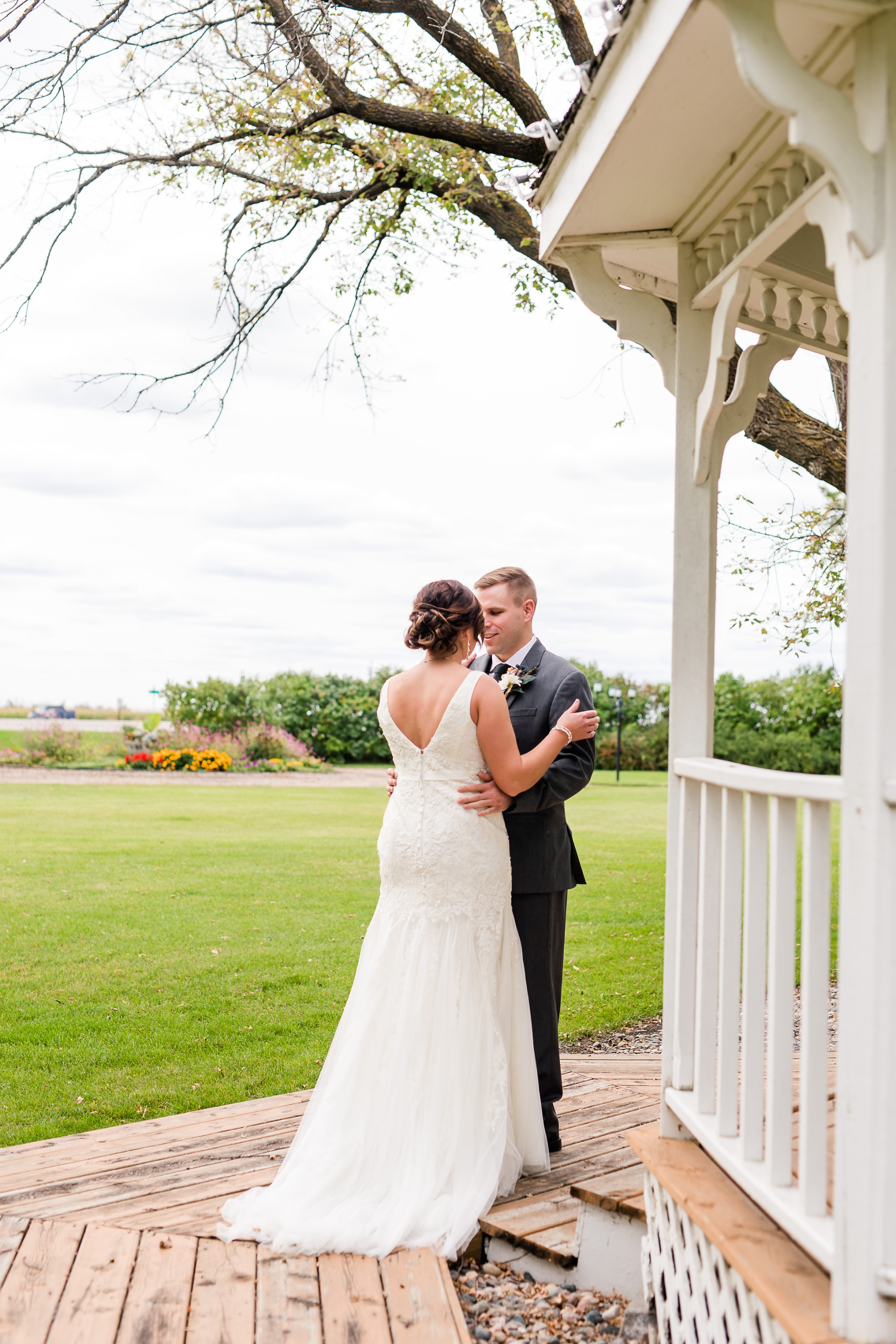 Amber Langerud Photography_Moohread, Outdoor, Barn Wedding at A Friends House_7046.jpg