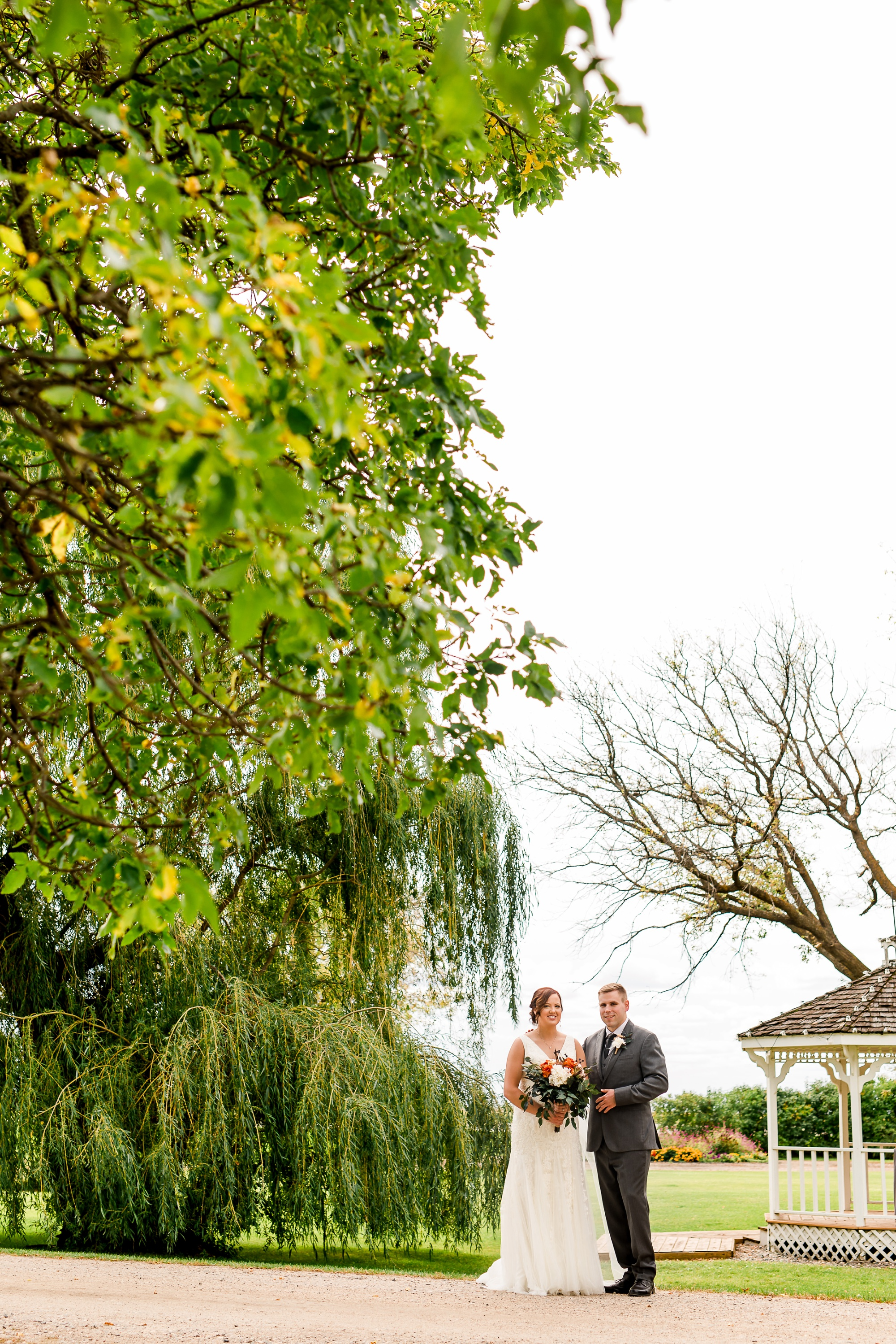 Amber Langerud Photography_Moohread, Outdoor, Barn Wedding at A Friends House_7078.jpg