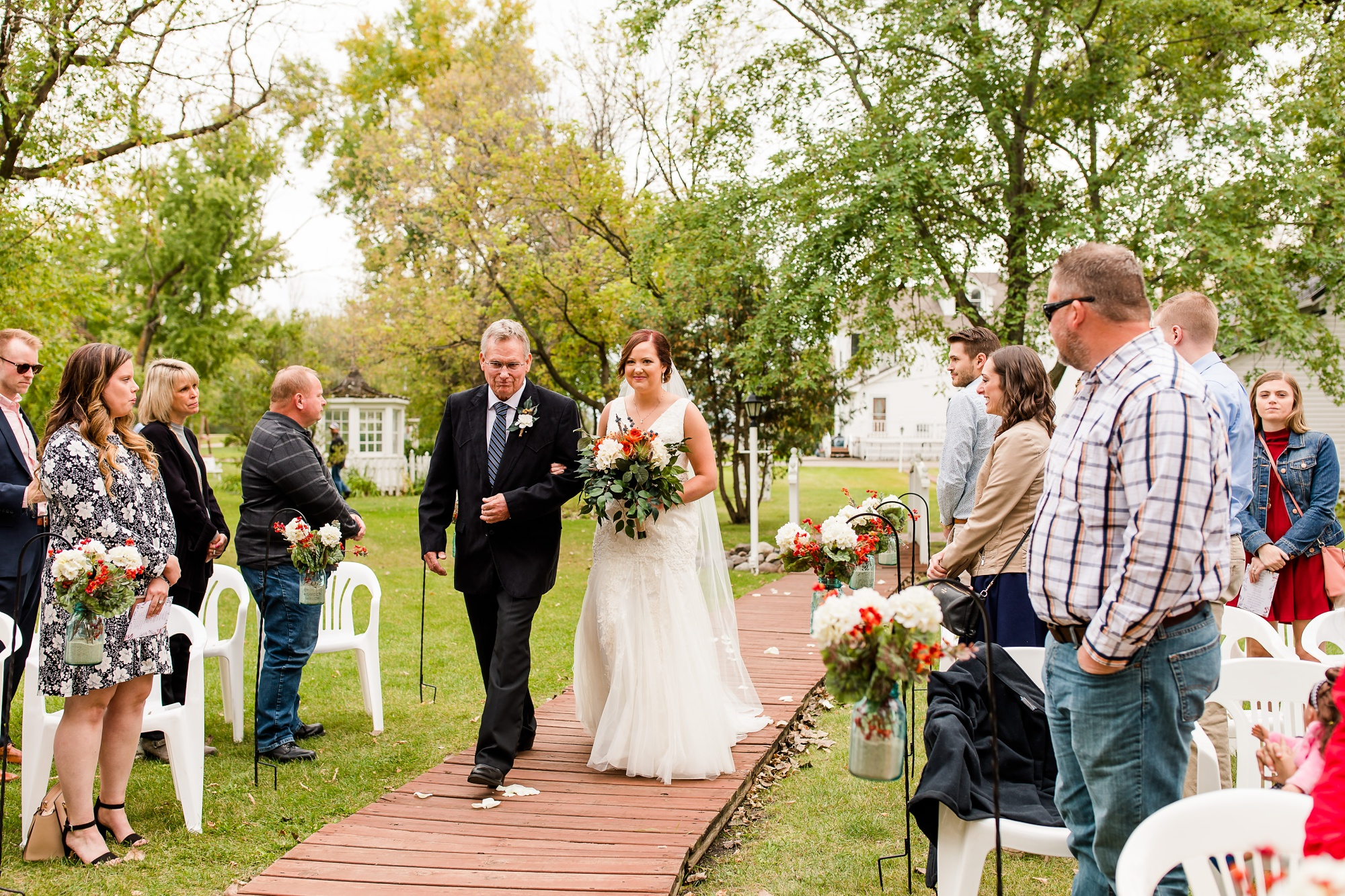 Amber Langerud Photography_Moohread, Outdoor, Barn Wedding at A Friends House_7096.jpg