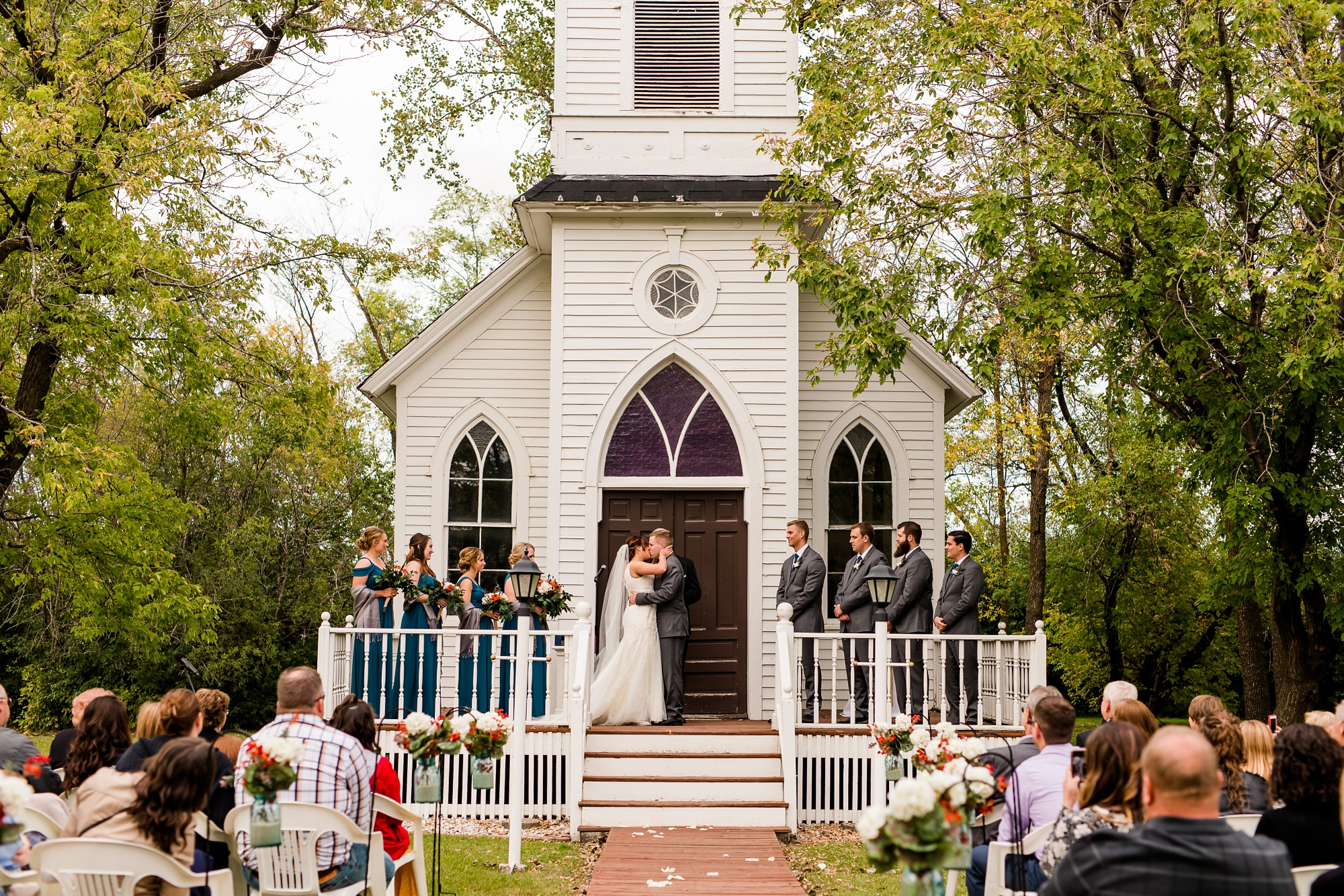 Amber Langerud Photography_Moohread, Outdoor, Barn Wedding at A Friends House_7110.jpg