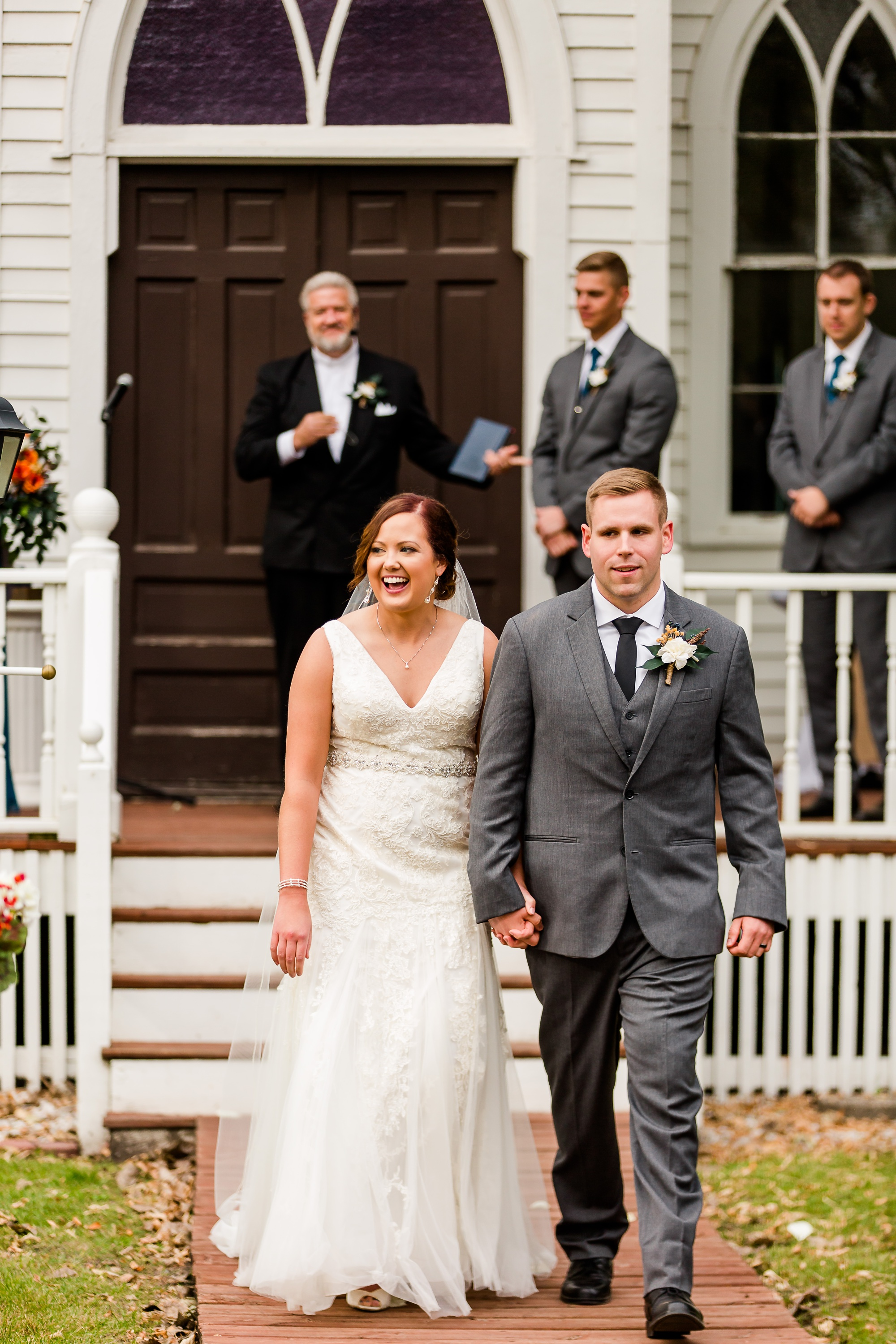 Amber Langerud Photography_Moohread, Outdoor, Barn Wedding at A Friends House_7112.jpg