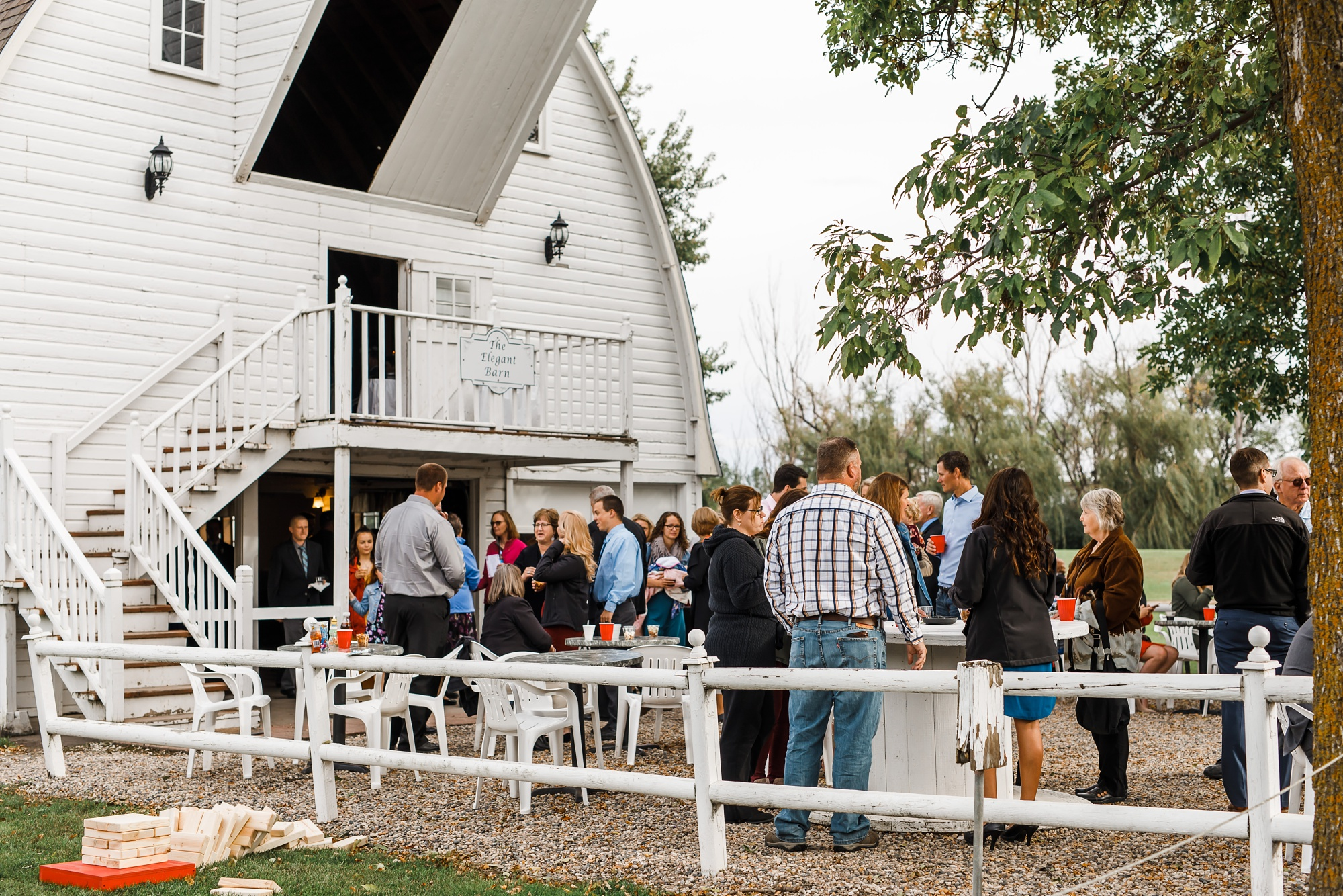 Amber Langerud Photography_Moohread, Outdoor, Barn Wedding at A Friends House_7115.jpg