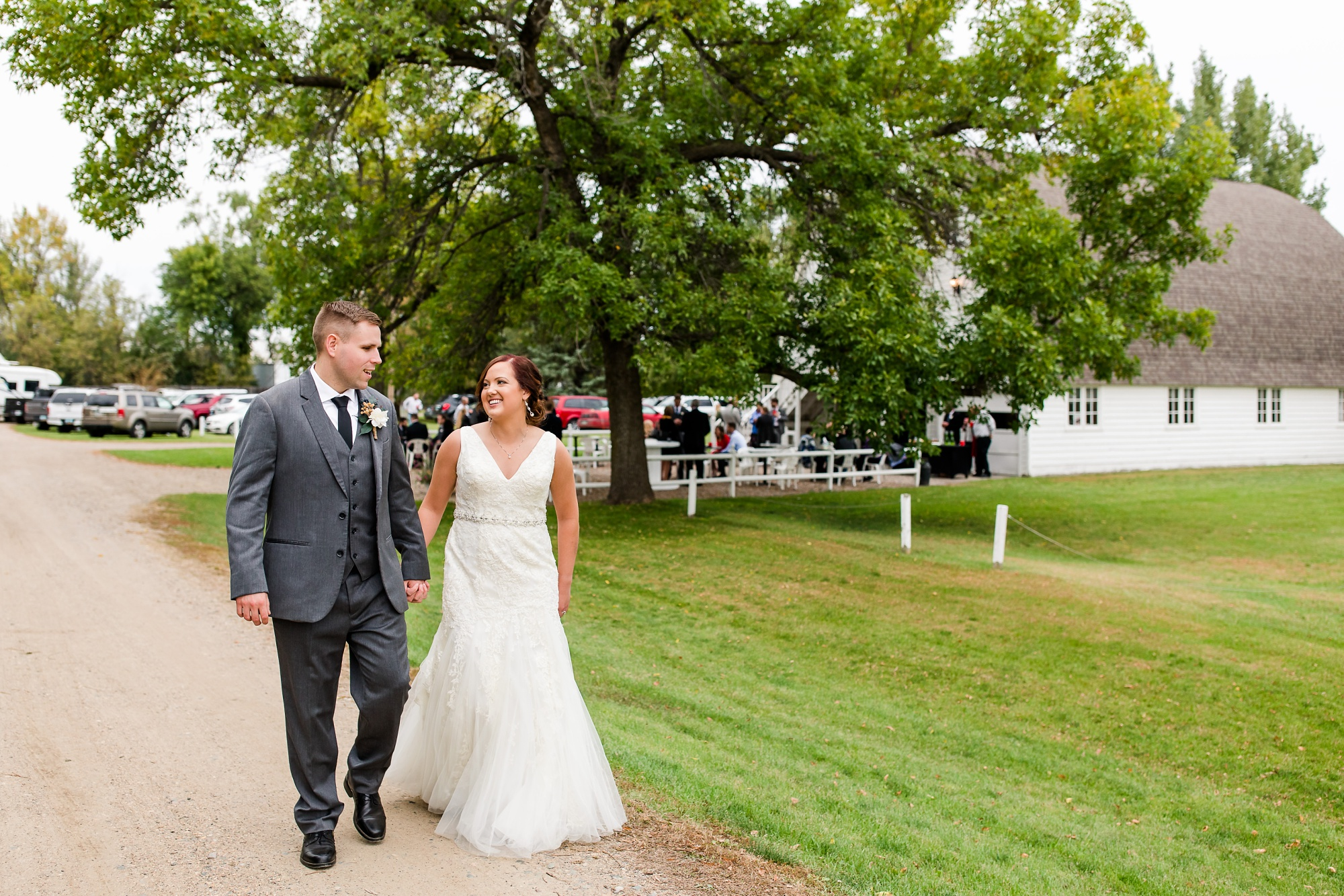 Amber Langerud Photography_Moohread, Outdoor, Barn Wedding at A Friends House_7120.jpg