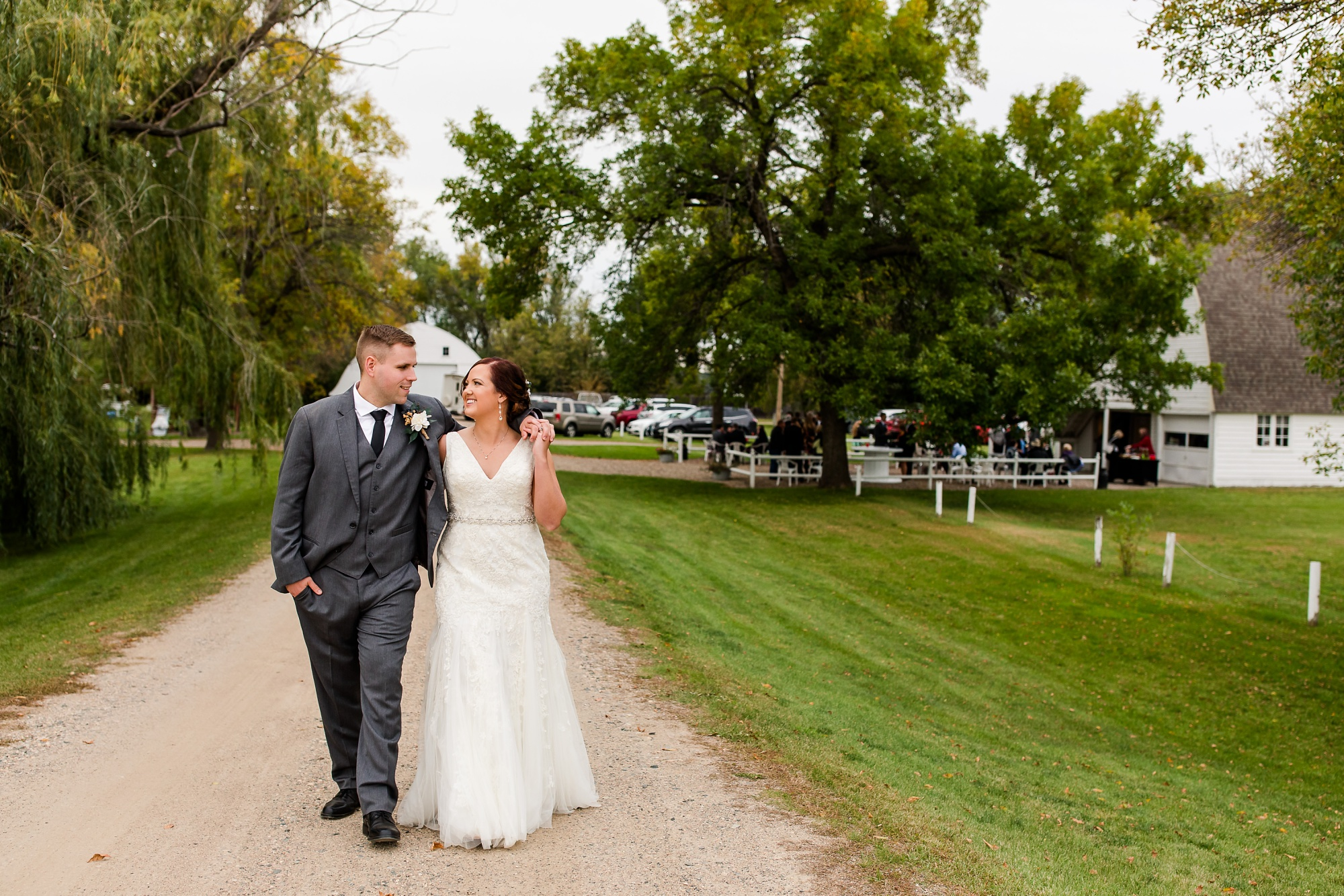Amber Langerud Photography_Moohread, Outdoor, Barn Wedding at A Friends House_7125.jpg