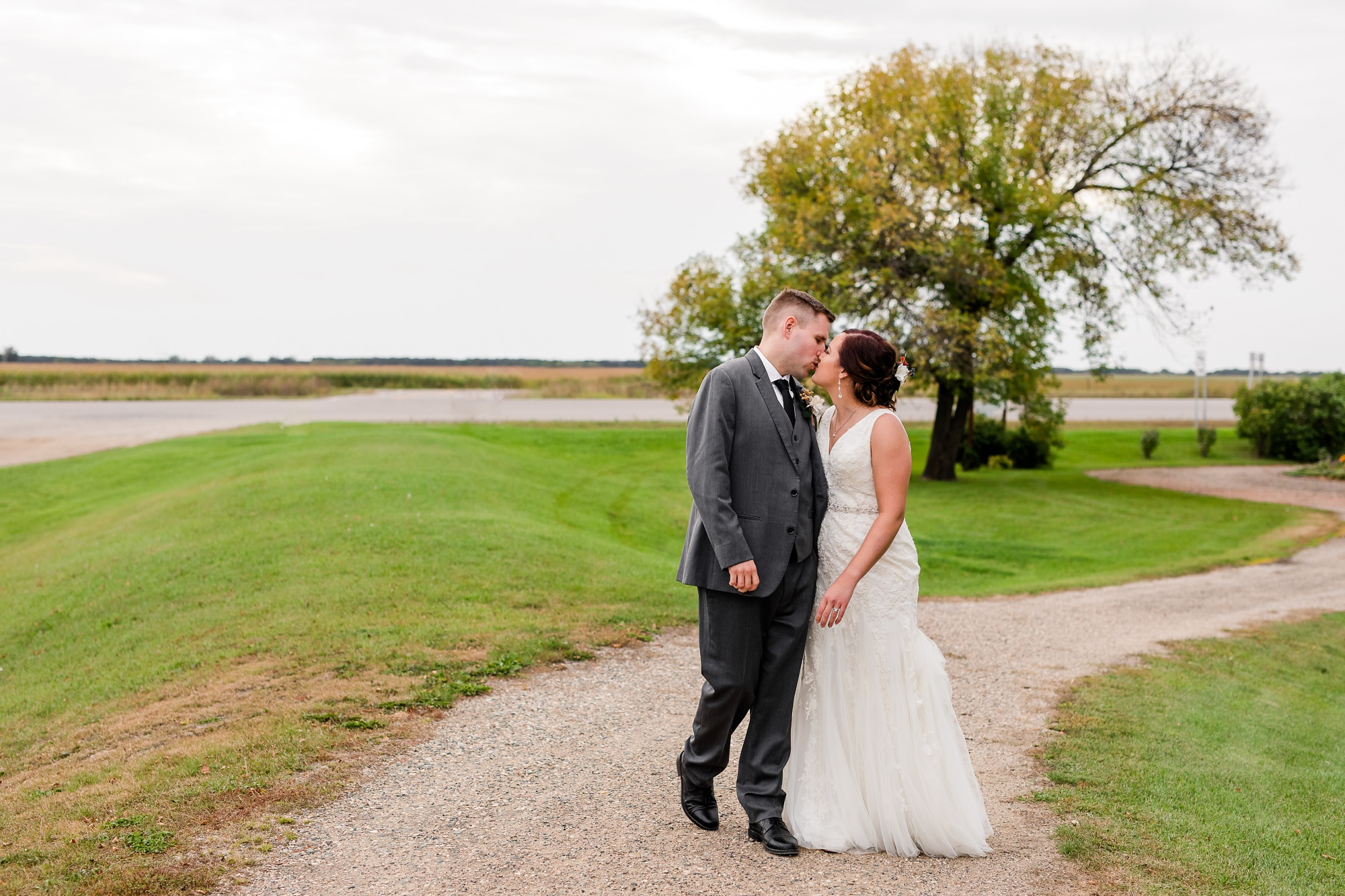 Amber Langerud Photography_Moohread, Outdoor, Barn Wedding at A Friends House_7130.jpg