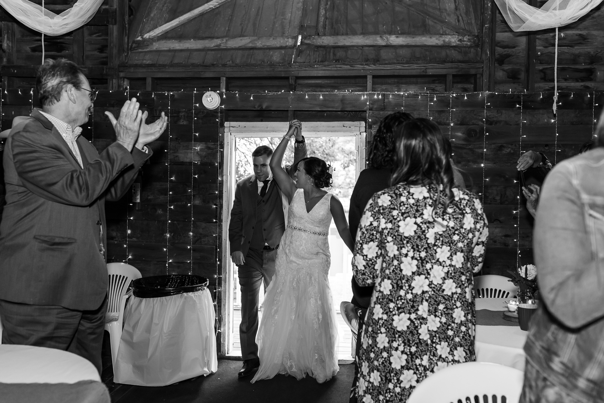 Amber Langerud Photography_Moohread, Outdoor, Barn Wedding at A Friends House_7139.jpg