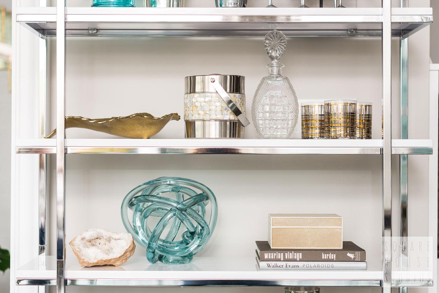 bookcase-shelf-accents.jpg
