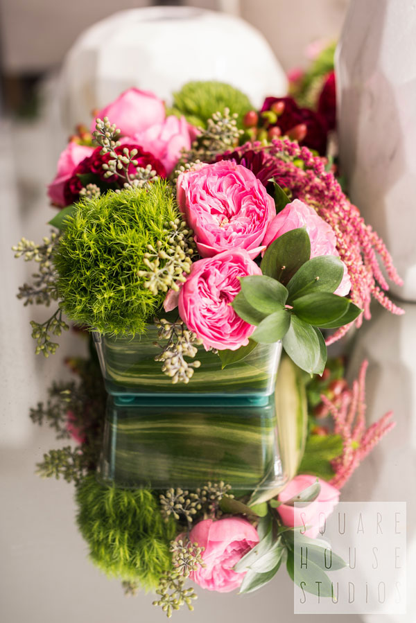 dining-accents-pink-flowers.jpg