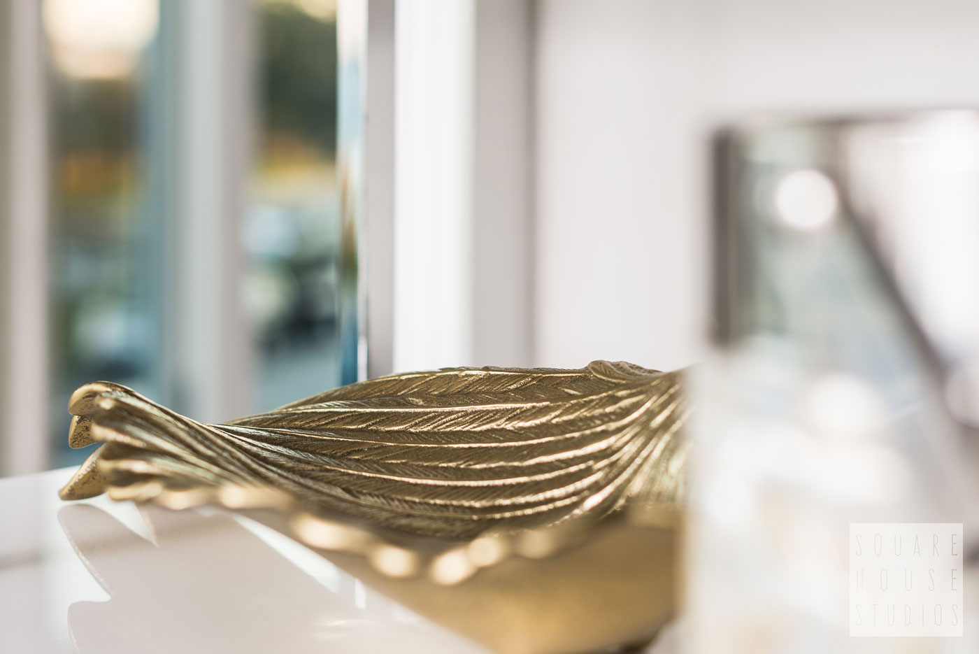 shelving-accents-gold-tray.jpg