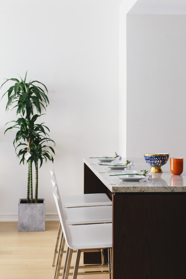 kitchen-medium-island-counter stools.jpeg