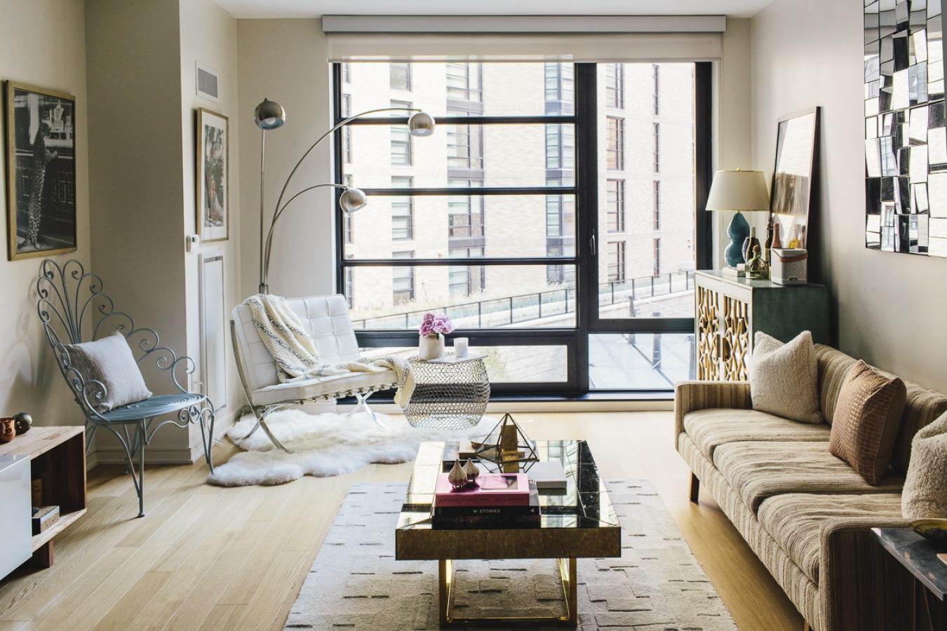 living room-wide-straight-sunny.jpeg