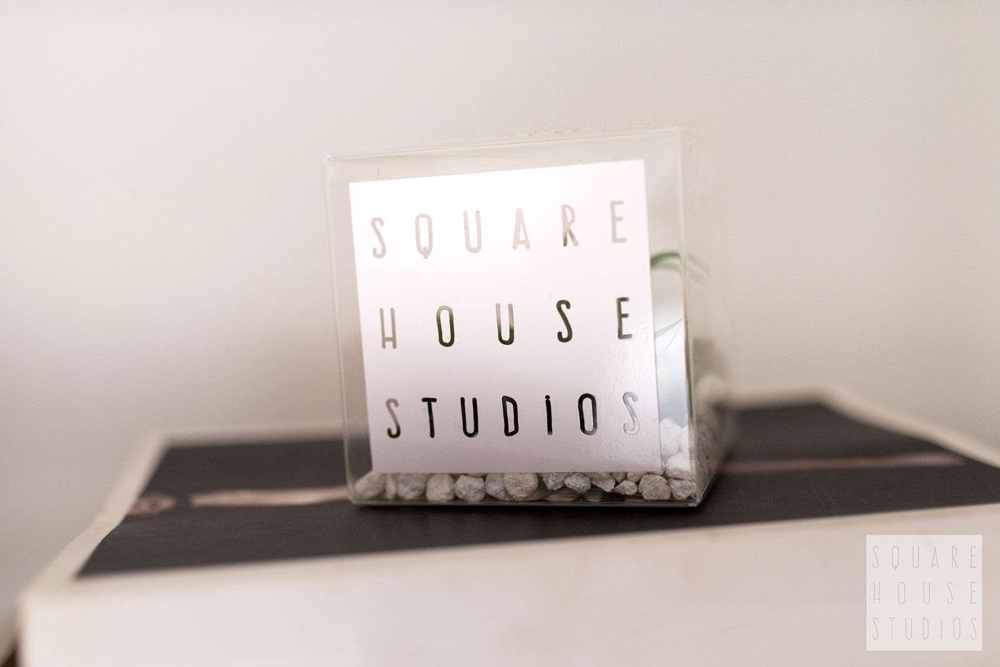 squarehouse-studios-Detail-Cube-on-Books.jpg