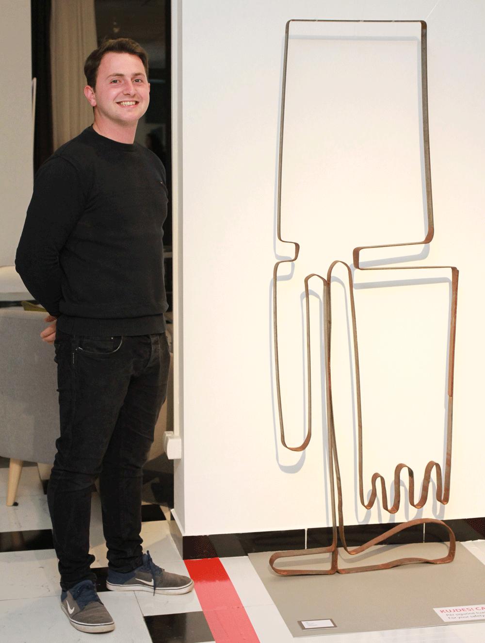 Ego, (2018) Metal Sculpture 1,48,000.00 €