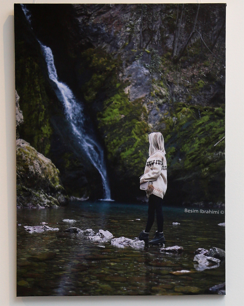 Waterfall, 2018 Photography on canvas 75€