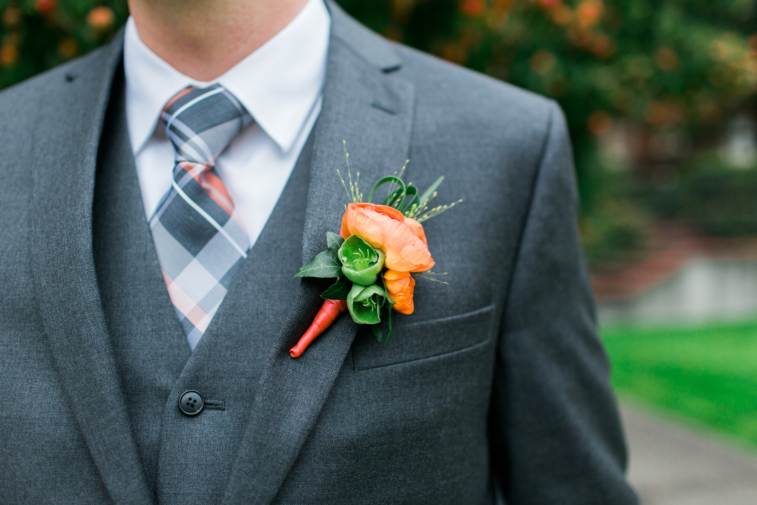 Groom Boutonniere   Peach and Green Boutonniere   Ranunculus Boutonniere   Parsons Garden Wedding   Asgari Photography   Seattle Wedding Planner