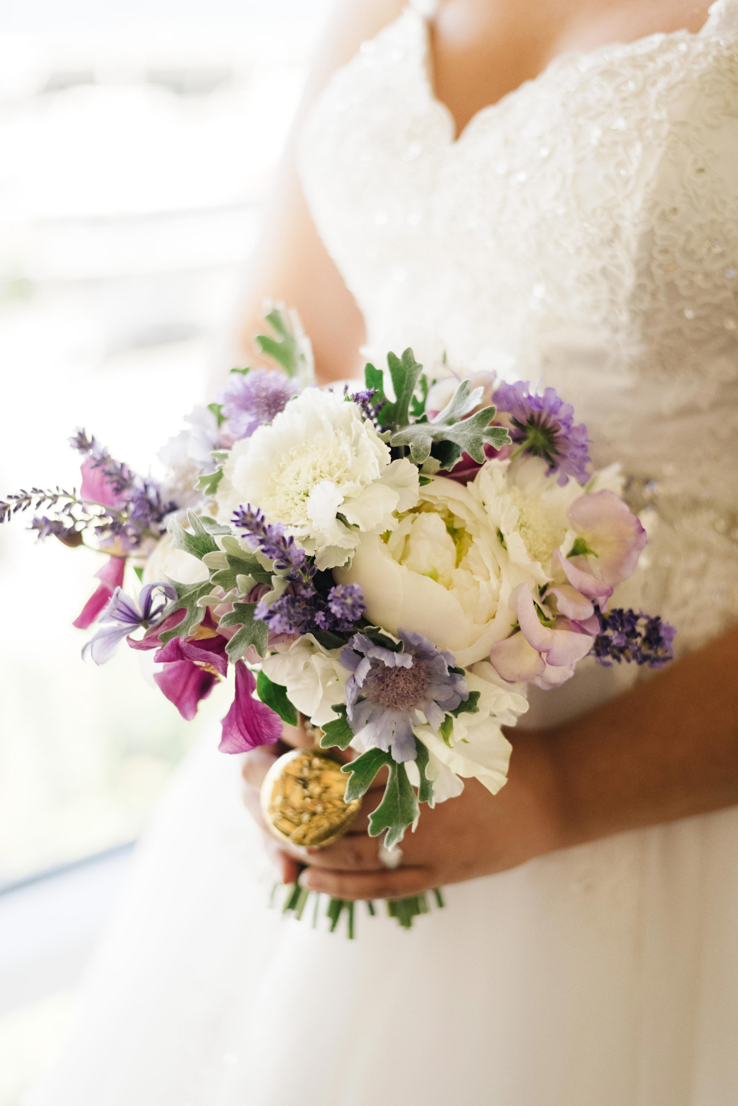 Garden Romantic White and Purple Wedding Bouquet | Joe and Patience Photography | Filipino Wedding Planner | Seattle Wedding Planner | Ballard Bay Club Wedding