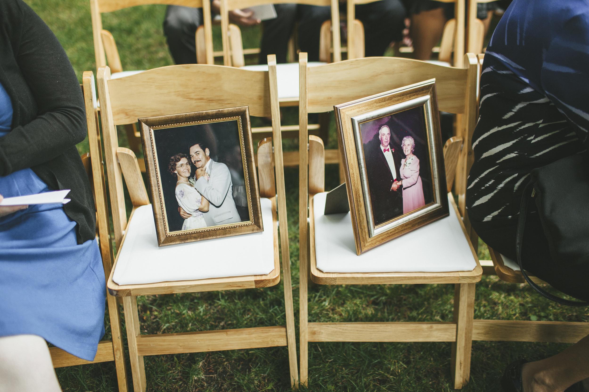 Memorial Photos at Wedding Ideas