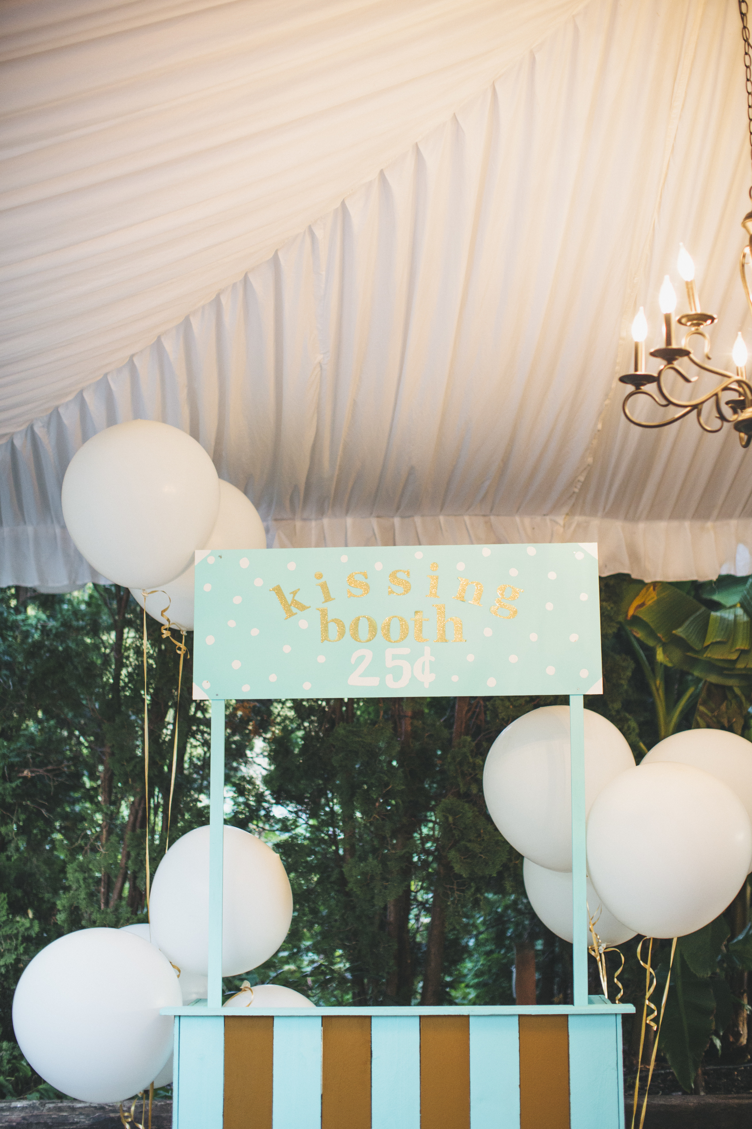 Teal Wedding Kissing Booth with Balloons