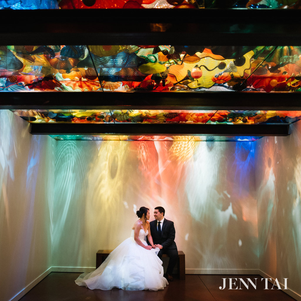 Chihuly Garden and Glass Wedding | Unique Wedding Photos | Chinese Wedding Planner | Seattle Wedding Planner