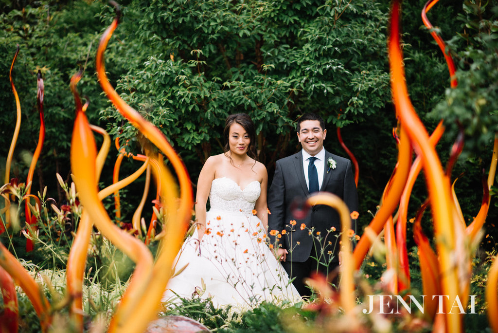 Chihuly Garden and Glass Wedding | Seattle Wedding Planner | Chinese Wedding Planner